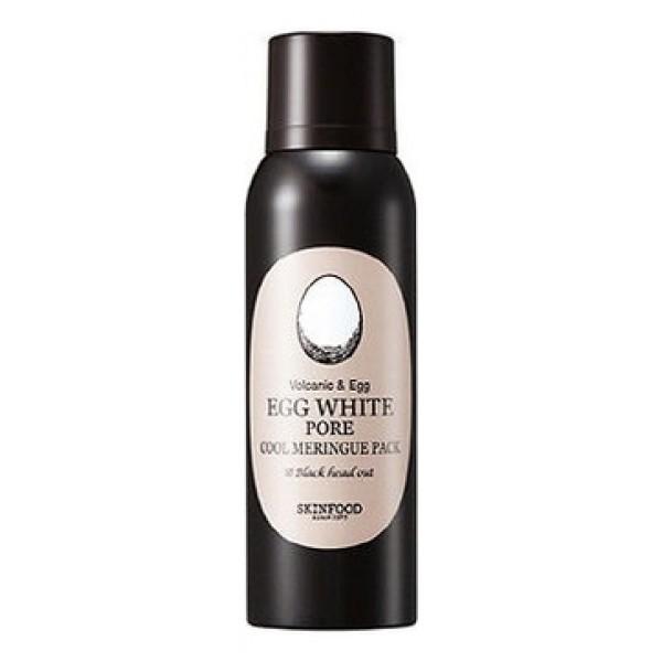 пена-мусс для умывания осветляющая skin food  egg white pore cool meringue packEGG WHITE PORE COOL MERINGUE PACK. Пена-мусс для умывания осветляющая&amp;nbsp;обеспечивает видимый эффект уже после первого применения! Кожа становится более свежей и упругой, поры – менее заметными. Легкая и воздушная, как безе, текстура пенки хорошо распределяется по коже и дарит ей охлаждающее чувство комфорта. Кроме того, охлаждение способствует сужению пор, успокаивает кожу, уменьшает покраснения, одновременно с этим повышает тонус, делает кожу более гладкой и эластичной.<br><br>В составе пенки, как и всей линии Egg White Pore от Skinfood альбумин (яичный белок), который способствует удержанию влаги, создавая в коже «запас» воды, благодаря чему кожа смягчается и разглаживается, предупреждается появление сухих заломов. Еще одним основным действующим компонентом средства является белая глина (каолин), которая с успехом решает различные косметические проблемы. Она является прекрасным абсорбентом, способным поглощать токсины, газы, яды и прочие вредные вещества из кожных покровов, нейтрализует вирусы, бактерии и продукты распада тканей.<br><br>Маска глубоко очищает, подсушивает и осветляет кожу, чистит и сужает поры, снимает раздражения и воспаления, впитывает излишки кожного сала. При регулярном применении EGG WHITE PORE COOL MERINGUE PACK&amp;nbsp;ускоряется выработка коллагена, что приводит к разглаживанию кожи, повышению ее упругости и эластичности. Экстракты лекарственных растений усиливают оздоравливающее, омолаживающее и осветляющее действие маски. Регулярное применение пенки предупреждает появление черных точек и акне, тем самым способствует оздоровлению кожи, нормализуются обменные процессы и работа сальных желез.<br><br>Способ применения: Нанести пенку на кожу лица, избегая области вокруг глаз и губ, мягко помассировать кожу, затем смыть пенку теплой водой.<br>