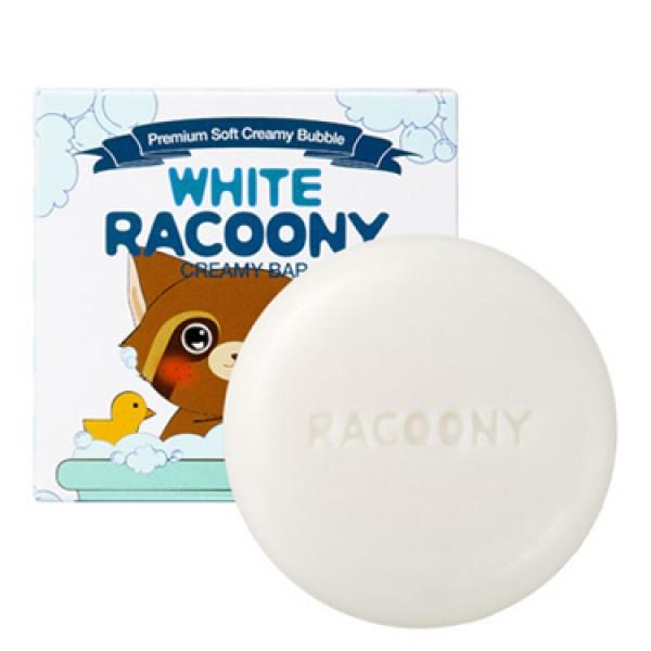 мыло кремовое осветляющее secret key white racoony creamy barWhite Racoony Creamy Bar. Мыло кремовое осветляющее<br><br>Новинка от Сикрет Кей – крем-мыло, создающее воздушную пенку, предназначено для деликатного очищения и осветления кожи. Мыло эффективно смывает повседневные загрязнения, растворяет излишки кожного жира на поверхности кожи, а также удаляет косметику. Одновременно с этим, мыло оздоравливает и омолаживает кожу, делает ее свежее и светлее.<br><br>Мыльная пенка насыщает кожу полезными питательными компонентами (витамины А, В, D, Е, H, микро- и макроэлементы, ферменты, жирные кислоты, белки и др.), омолаживает её, разглаживает мелкие морщинки, устраняет воспалительные процессы, успокаивает раздражения, способствует сужению пор. В составе мыла высокое содержание натуральных компонентов, позволяющих использовать его даже для самой чувствительной кожи.<br><br><br>Экстракт яичного белка оказывает противовоспалительное и обеззараживающее действие, способствует заживлению воспалений, мягко подсушивает, уменьшает поры.<br><br>Натуральные молочные протеины и экстракт йогурта питают, увлажняют и смягчают кожу, ускоряют синтез коллагена, предотвращают преждевременное старение, делают кожу упругой и эластичной. Кроме того, молочные протеины являются природными антиоксидантами, которые нейтрализуют действие свободных радикалов.<br><br>Экстракт папайи содержит особый фермент папаин, который выводит токсины и шлаки, способствует отшелушиванию ороговевших клеток кожи, стимулирует регенерацию, регулирует работу сальных желез кожи, разглаживает морщины и осветляет пигментацию.<br><br>Экстракт коконов шелкопряда – на 97% состоит из белков фиброина и серицина, которые помогают удерживать влагу в коже, стимулируют синтез коллагена, придает коже нежность и упругость, а также подавляют синтез меланина, вызывающего появление пигментации. Также в составе коконов 18 незаменимых аминокислот.&amp;nbsp;<br><br><br>Также в составе мыла розовая вода, масла оливы, арганы и чайного дер