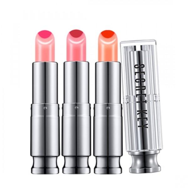 двойной тинт-блеск secret key sweet glam two tone glowSweet Glam Two Tone Glow. Двойной тинт-блеск<br><br>Тинт с мягкой шелковистой текстурой нежно покрывает губы и дарит им невероятно яркий, модный и сочный оттенок. Благодаря двухцветому стику необходимо всего одно касание, чтобы создать естественную градацию цвета. Тинт для губ — средство декоративной косметики, с английского языка название продукта переводится как «оттеняющий».<br><br>В составе продукта имеются красящие пигменты, которые глубоко проникают в верхние слои кожи губ. Благодаря этому средство отличается невероятной стойкостью в сравнении с обычной губной помадой или блеском. Используя такое косметическое средство, вы не только получаете красивый и природный цвет губ, но также одновременно ухаживаете за ними. Тинт очень экономичен, даже при ежедневном использовании средства хватит надолго. Тинт содержит:<br><br><br>Масло оливы прекрасно питает все клетки кожи, помогает избавиться от ощущения стянутости и сухости, отлично подходит для ежедневного применения.<br><br>Экстракт коры магнолии препятствует разрушению коллагена и эластановых волокон; защищает кожу от негативного воздействия ультрафиолета; препятствует старению кожи и разглаживает морщины.<br><br>Экстракт коры белой ивы содержит натуральную, природную салициловую кислоту, а также флавоноиды, танины, катехины, витамин С и минеральные вещества.<br><br>Экстракт коры белой ивы является одним из самых сильных антимикробных компонентов в современной косметологии, а также восстанавливает барьерные функции кожи и синтез коллагена. Оказывает мягкое отшелушивающее действие, удаляет омертвевшие клетки, загрязнения, излишки кожного жира, благодаря чему кожа приобретает более ровную текстуру и цвет.<br><br>Ингредиенты зеленого чая обладают хорошей проникающей способностью, позволяющей им действовать не только на глубокие слои эпидермиса, но и на дерму. При этом они усиливают микроциркуляцию в тканях, стимулируют выработку собственного коллагена кожи, при эт