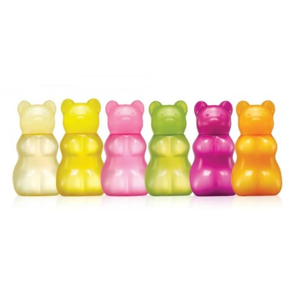 крем-масло для рук skin food  gummy bear jelly hand butterКрем-масло Gummy Bear Jelly Hand Butter с ароматами фруктов смягчит и увлажнит кожу рук. Он выполнен в виде мармеладного мишки. Благодаря гелевой структуре бережно ухаживает за руками, наполняя их влагой и питательными веществами. Он не оставляет неприятного ощущения липкости и мгновенно впитывается. При регулярном применении крема ваши руки будут выглядеть здоровыми и красивыми.<br><br>Крем обладает ароматом вишни и шоколада.<br><br>Содержит экстракты различных фруктов и имеет разные ароматы. Крем отлично подойдет для сухой, грубой кожи, особенно в зимнее время года.<br><br>Средство защищает нежную кожу рук от негативного воздействия внешних факторов. Заполняет имеющиеся микротрещинки на руках и не допускает их повторного появления.<br><br>После регулярного применения средства косметической компании SkinFood кожа становится мягкой и гладкой, а эффект увлажнения сохраняется надолго.<br><br>Способ применения: Нанесите на сухую и чистую кожу рук массажными движениями. Использовать перед выходом на улицу, после душа или при ощущении сухости.<br><br>Объем: 45 мл<br>