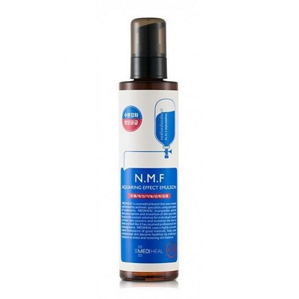 эмульсия для лица увлажняющая с n.m.f. beauty clinic n.m.f. aquaring effect emulsionN.M.F. Aquaring Effect Emulsion. Эмульсия для лица увлажняющая с N.M.F. содержит и другие активные увлажняющие и подтягивающие компоненты, такие как&amp;nbsp; глубинная морская вода, гиалуроновая кислота, экстракты древесного гриба, сахарного клена, меда, центеллы азиатской. Интенсивно увлажняет, подтягивает и питает кожу, придает ей свежий вид. Способствует разглаживанию морщин. <br><br><br>&amp;nbsp;&amp;nbsp;&amp;nbsp; NMF (натуральный увлажняющий фактор) - это сложный комплекс молекул в роговом слое кожи, который способен притягивать и удерживать влагу, обеспечивать упругость и плотность рогового слоя кожи. В состав NMF входят низкомолекулярные пептиды, карбамид, пирролидонкарбоновая кислота, аминокислоты и т. д. При недостаточности увлажняющего фактора происходит обезвоживание эпидермиса.<br><br>&amp;nbsp;&amp;nbsp;&amp;nbsp; Глубинная морская вода содержит большое количество питательных веществ&amp;nbsp; и&amp;nbsp; 70 видов минералов, которые активно увлажняют кожу, придают ей здоровый вид, делают цвет кожи более естественным, выравнивают тон кожи.<br><br>&amp;nbsp;&amp;nbsp;&amp;nbsp; Экстракт клена сахарного ускоряет процесс обновления клеток, устраняет омертвевшие клетки эпидермиса и делает кожу более гладкой и свежей. &amp;nbsp;<br><br><br><br>Способ применения: рекомендуется использовать после лосьона. Нанесите на очищенную кожу лица необходимое количество средства кончиками пальцев и равномерно распределите. Используйте утром и вечером.<br>&amp;nbsp;<br>Меры предосторожности: при покраснении, зуде, раздражении после применения прекратите использование средства и проконсультируйтесь с врачом-дерматологом. При попадании в глаза сразу же промойте их водой. Храните в недоступных для детей местах. Не храните в местах повышенных/пониженных температур, избегайте попадания прямых солнечных лучей.<br>&amp;nbsp;<br>Состав: вода, цетил этилгексаноат, глицерин, морская вода, 1,2 гек