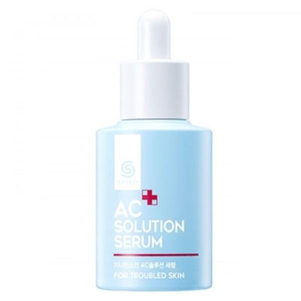 сыворотка для проблемной кожи berrisom g9 ac solution serumG9 AC Solution Serum. Сыворотка для проблемной кожи<br><br>Средство с высокой концентрацией активных компонентов и мощной проникающей способностью. Сыворотка способна проникать в самые глубокие слои кожи и там запускать процессы ее восстановления и оздоровления.<br><br>Несмотря на высокую интенсивность, сыворотка ухаживает за кожей, средство сертифицировано, прошло дерматологический контроль, может применяться даже для очень чувствительной кожи.<br><br>Сбалансированный состав натуральных компонентов позволяет одновременно увлажнять и питать, а также день за днем оздоравливать кожу. Противовоспалительные, антибактериальные и антисептические свойства компонентов не только способствуют заживлению акне и других повреждений, но и предупреждают их повторное появление.<br><br>Сыворотка создает защитный барьер, который перекрывает доступ болезнетворным микроорганизмам, вызывающим акне. Также средство позволяет нормализовать работу сальных желез, тем самым предупредить выработку избыточного кожного жира, который забивает поры, что приводит к чрезмерному росту бактерий и образованию угрей, прыщей и черных точек. Контроль над жирностью кожи позволяет избежать этого.<br><br>Способ примения: Нанести несколько капель сыворотки на очищенную и тонизированную кожу.<br><br>Объём: 30 мл<br>