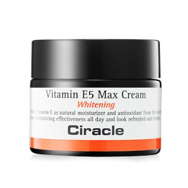 крем для лица осветляющий ciracle vitamin e5 max creamVitamin E5 Max Cream. Крем для лица осветляющий<br><br>Ключевой компонент данного крема витамин E – признанный лидер среди витаминов, отвечающих за красоту и молодость кожи. Мощный антиоксидант и иммуномодулятор, он оказывает поистине волшебное воздействие: ускоряет процессы восстановления и обновления клеток, увлажняет и успокаивает кожу, нейтрализует действие свободных радикалов и минимизирует негативное воздействие ультрафиолета (но не отменяет необходимость солнцезащитных средств), а также других негативных факторов внешней среды, замедляет возрастные процессы старения, предупреждая раннее увядание кожи. Также витамин Е эффективен для осветления пигментных пятен, в том числе веснушек, и для предупреждения их появления.<br><br>Vitamin E5 Max Cream от Ciracle – крем-антиоксидант. Рекомендован для тех, чья кожа подвергается регулярным стрессам: перепады температуры, длительное нахождение в непроветриваемом помещении с кондиционерами, высокая загазованность воздуха, интенсивная солнечная активность. Эти и многие другие факторы негативно влияют на кожу, и справиться с вредными последствиями, а также предупредить разрушение клеток кожи помогает крем с витамином E.<br><br>Регулярное применение крема позволяет поддерживать оптимальный уровень увлажненности кожи, повышает ее защитные функции и способность противостоять агрессивным воздействиям. Крем делает кожу более упругой, гладкой и эластичной, выравнивает тон и улучшает цвет лица, уменьшает риск появления пигментных пятен и сосудистых звездочек.<br><br>Способ применения: Нанести на очищенную кожу лица, применять утром и вечером.<br><br>Объём: 50 мл<br>