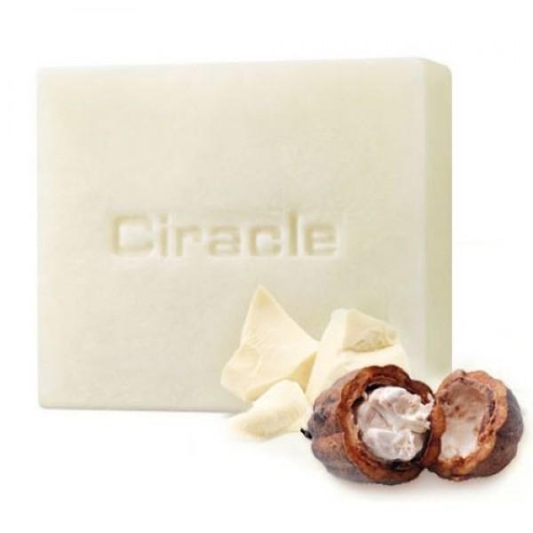 мыло для умывания увлажняющее ciracle ciracle white chocolate moisture soapCiracle White Chocolate Moisture Soap. Мыло для умывания увлажняющее<br><br>Сладкий десерт для кожи лица – мыло Белый шоколад подарит ей глубокое увлажнение, мягкость и сияние. Мыло создает обильную, густую и воздушную пену, которая великолепно смывает различные загрязнения и излишки кожного жира.<br><br>Мыло содержит масло какао и молоко, обладает изумительным ароматом, поэтому трудно удержаться, чтобы не попробовать его на вкус.<br><br>Масло какао незаменимо для ухода за сухой, шелушащейся и усталой кожей. Поможет оно и уже увядающей и стареющей коже, начавшей терять свою упругость и эластичность. Какао масло оказывает замечательное питательное, увлажняющее, смягчающее, оживляющее и тонизирующее кожу, делает ее нежной, гладкой и сияющей. Масло идеально для зимнего периода, так как убережет кожу от обветривания и обморожения. Кроме того, масло какао ускоряет процесс восстановления поврежденных клеток кожи, защищает ее от проникновения различных вредных веществ и токсинов, что особенно актуально для жителей мегаполисов.<br><br>Молоко насыщает кожу необходимыми белками и жирами, делает кожу гладкой, предупреждает ее высыхание, что особенно актуально в летний период, а также для тех, кто проводит много времени в помещениях с повышенной сухостью воздуха. Молоко в составе косметики помогает избавиться от морщин и осветлить пигментацию, сохраняет красоту и молодость кожи.<br><br>Способ применения: Вспенить мыло и нанести полученную пену на влажную кожу лица массирующими движениями, затем смыть теплой водой.<br><br>Вес: 100 гр.<br><br>Вес г: 100.00000000