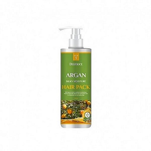 маска для волос с аргановым маслом deoproce argan silky moisture hair packArgan Silky Moisture Hair Pack. Маска для волос с аргановым маслом<br><br>Восстанавливает, оздоравливает, разглаживает, смягчает и увлажняет волосы маска, в составе которой натуральное аргановое масло, очень ценное и очень полезное.<br><br>&amp;nbsp;<br><br>Маска для волос с маслом арганы подходит для любого типа волос, но особенно рекомендуется для сухих, ломких, тусклых и безжизненных.<br><br>&amp;nbsp;<br><br>Аргановое масло волшебным образом улучшает состояние и внешний вид волос. Оказывает интенсивное питательное и увлажняющее действие, увлажняет кожу головы, способствует ее регенерации и устраняет перхоть, восстанавливает структуру волос, стимулирует их рост и предупреждает выпадение, устраняет секущиеся кончики, защищает от пагубных ультрафиолетовых лучей.<br><br>&amp;nbsp;<br><br>При регулярном применении маски с маслом арганы можно забыть о выпадении волос, об их сухости и ломкости. Волосы становятся сильными и упругими, гладкими, блестящими и шелковистыми, лучше держат прическу при высокой влажности воздуха.<br><br>&amp;nbsp;<br><br>Маска подходит для всех типов волос.<br><br>&amp;nbsp;<br><br>Способ применения: Нанести маску на чистые слегка подсушенные волосы, массажными движениями распределить по всей длине, оставить на 2-3 минуты, затем смыть теплой водой.<br><br>&amp;nbsp;<br><br>Объём: 1000 мл<br>