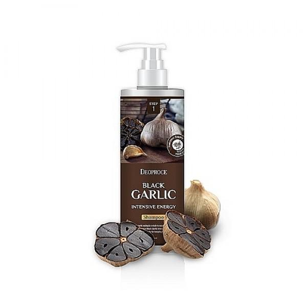 бальзам для волос чёрный чеснок deoproce rinse - black garlic intensme energyRinse - Black Garlic Intensme Energy. Бальзам для волос чёрный чеснок<br><br>Интенсивный смягчающий бальзам от выпадения волос Чёрный чеснок. В состав бальзама входит три основных интенсивных ингредиента: экстракт Чёрного чеснока, гидролизованный коллаген и хна, которые в совокупности способствуют активному росту, восстановлению кожи головы и волоса по всей длине, предотвращают выпадение, защищают волосы от внешних воздействий окружающей среды, придают объём и блеск волосам. <br><br>&amp;nbsp;<br><br>Подходит для всех типов волос, особенно рекомендован для сухих и ломких.<br><br>&amp;nbsp;<br><br>Применение: нанести бальзам на влажные чистые волосы, массажными движениями тщательно втереть в волосы по всей длине, оставить на 1 минуту, затем смыть теплой водой.<br><br>&amp;nbsp;<br><br>Объем: 1000мл<br>