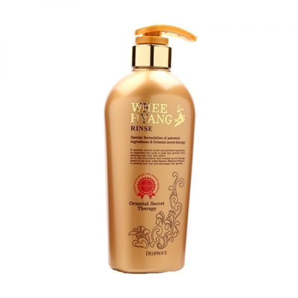 бальзам с корнем женьшеня deoproce whee hyang rinseWhee Hyang Rinse. Бальзам с корнем женьшеня<br><br>Бальзам с корнем женьшеня укрепляет волосы, защищает от выпадения, предотвращает от появления перхоти, делая волосы мягкими и сияющими. <br><br>&amp;nbsp;<br><br>Состав богат экстрактами листьев зеленого чая, дикого шафрана, корня солодки, корня горца многоцветкового, хны, корня дудника лекарственного, корня женьшеня, портулака огородного, корня ревеня пальчатого, луковицы орхидеи фиолетовой. <br><br>&amp;nbsp;<br><br>Придает волосам объем и здоровый блеск, делает их струящимися и шелковистыми.<br><br>&amp;nbsp;<br><br>Применение: нанести на чистые, мокрые волосы, распределить по всей длине, оставить на 1-2 минуты, тщательно смыть теплой водой. Рекомендовано применять в комплексе с шампунем.<br><br>&amp;nbsp;<br><br>Объем: 530мл<br>