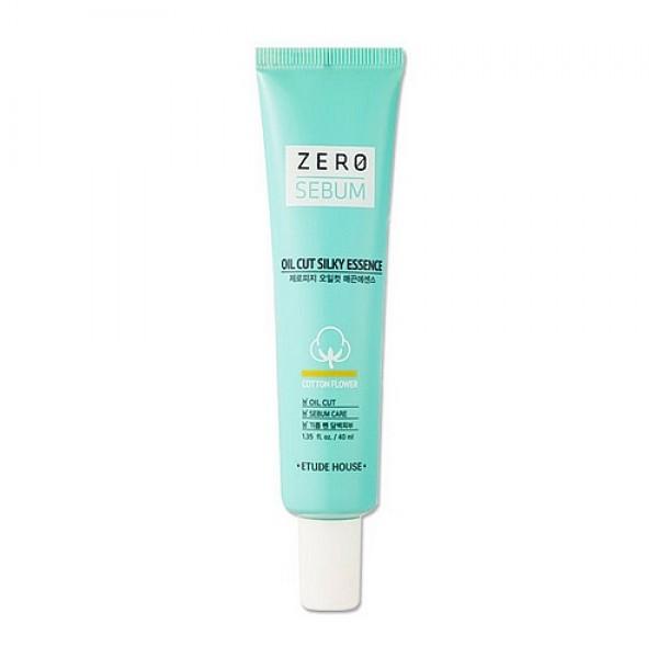 эссенция для жирной кожиZero Sebum Oil Cut Silky Essence. Эссенция для жирной кожи<br><br>Безсиликоновая себорегулирующая эссенция для жирной кожи. Средство эффективно блокирует выработку кожного жира, убирает жирный блеск, оказывает противовоспалительное и подсушивающее действие, выравнивает текстуру кожи, делая ее чистой, ровной и матовой на протяжении всего дня, предупреждает появление раздражений, и заметно увеличивает стойкость наносимой на жирную кожу косметики.<br><br>&amp;nbsp;<br><br>Экстракт хлопка, сахарные полимеры и диоксид титана в составе эссенции превосходно впитывают кожный жир и загрязнения, очищают и сужают расширенные поры, снижают выделение кожного жира, надолго матируют и успокаивают уставшую раздраженную кожу.<br><br>&amp;nbsp;<br><br>Экстракты эвкалипта и кипариса оказывают сильное противовоспалительное, вяжущее, подсушивающее, дезинфицирующее и антисептическое действие, помогают устранить различные воспалительные процессы, такие как прыщи, угри и гнойничковая сыпь, способствуют быстрому заживлению ран и других повреждений кожного покрова, а также осветляют кожу и выравнивают цвет лица.<br><br>&amp;nbsp;<br><br>Бета-глюкан и комплекс экстрактов инжира, душицы, ферментированных соевых бобов, кипариса и портулака усиливают природные защитные функции кожи, направленные на защиту от инфекций, токсинов и воздействия солнечных лучей, оказывают успокаивающее действие, снижают чувствительность кожи, предупреждают появление раздражений, тонизируют, очищают и мягко осветляют кожу и выравнивают цвет лица.<br><br>&amp;nbsp;<br><br>Керамиды и гиалуроновая кислота обеспечивают оптимальный уровень увлажненности кожи, восстанавливают ее липидный барьер, убирают шелушения и разглаживают кожу.<br><br>&amp;nbsp;<br><br>Эссенция не содержит силиконы, минеральное масло и искусственные красители.<br><br>&amp;nbsp;<br><br>Способ применения: После очищения и тонизирования нанесите эссенцию на проблемные участки кожи с наибольшей выработкой кожного жира. При необходи