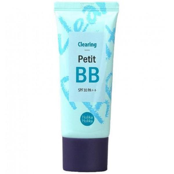 бб крем для лица очищение holika holika petit bb clearing spf30 pa++Petit BB Clearing SPF30 PA++.&amp;nbsp;ББ крем для лица Очищение<br><br>Очищающий ББ крем для кожи склонной к жирности, жирной кожи и проблемной кожи.<br><br>Основным активным компонентом крема является экстракт масла чайного дерева, который регулирует работу сальных желез кожи и обладает сильным противовоспалительным эффектом, помогает бороться с акне, покраснениями, шелушениями. Помогает получить чистую и ровную кожу лица, скрывает недостатки, эффективно матирует. Для проблемной или жирной кожи лица крем эффективно помогает выдерживать вид чистой и здоровой кожи в течение всего дня.<br><br>Крем может использоваться подростками, решая проблему с угревой сыпью и жирностью кожи.<br><br>Средство оберегает кожу от агрессивного воздействия УФ-излучения (защитный фактор SPF30 PA++).<br><br>Способ применения: легкими массажными движениями нанесите небольшое количество ВВ крема на предварительно очищенную кожу лица (дополнительно можно наносить на кожу шеи и область декольте). Равномерно распределить кончиками пальцев. Подождите несколько секунд, пока крем впитается и адаптируется к цвету лица.<br><br>Объем: 30 мл<br>