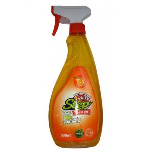 универсальное жидкое чистящее средство для дома с апельсиновым маслом kmpc orange step multi-purpose cleanerOrange Step Multi-Purpose Cleaner. Универсальное жидкое чистящее средство для дома с апельсиновым маслом<br><br>Благодаря экстракту апельсина за одно применение средство удаляет налет, застаревшие пятна, въевшуюся грязь, жировые отложения, убивает бактерии, стерилизует обрабатываемую поверхность.<br><br>Область применения: очищает, удаляет загрязнения с газовой плиты, раковины, холодильника, ванны, кафеля, унитаза, офисного оборудования, различных видов полов и т. д.<br><br>Способ применения: распылить на загрязненную поверхность, протереть жесткой или мягкой губкой, затем удалить остатки средства влажной мягкой тканью.<br><br>Не распылять на окрашенные, пластиковые, виниловые, акриловые, алюминиевые поверхности.<br><br>Состав: вода, 3-метокси-3-метилбутанол, диэтиленгликоль монобутил эфир, моноэтаноламин, полиоксиэтилен нонилфенил эфир, лаурил сульфат натрия, бензойнокислый натрий, триклозан, апельсиновое масло.<br><br>Меры предосторожности: хранить в недоступных для детей местах. При появлении раздражений и аллергических реакций прекратить применение. При попадании в глаза, промыть чистой водой и обратиться за помощью к врачу. Применять строго по назначению.<br><br>Объем: 600 мл<br>