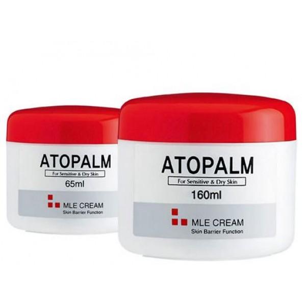 крем с многослойной эмульсией atopalm mle creamMle Cream. Крем с многослойной эмульсией -скорая помощь для сухой и чувствительной кожи:<br><br>- МЛЕ деликатно встраивается в липидный слой кожи, восстанавливая нарушенную барьерную функцию;<br>- Возвращает ощущение комфорта при стягивании, сухости,шелушении и воспалении кожи;<br>- Превосходно впитывается, не оставляя блеска и липкости, некомедогенен;<br>- Растительный сквален, энергетическое масло макадамии и виноградное масло гармонично увлажняют и питают кожу, восстанавливая мягкость и нежность;<br>- Экстракт портулака снимает воспаление и раздражение и способствует заживлению различных кожных высыпаний;<br><br>Рекомендован дерматологами при атопическом дерматите, псориазе для ежедневного ухода. Подходит для ухода за детской кожей.<br><br>НЕ СОДЕРЖИТ СПИРТ И ПИГМЕНТЫ, ВМЕСТО ИСКУССТВЕННЫХ АРОМАТИЗАТОРОВ В ЕГО СОСТАВ ВКЛЮЧЕНЫ МАСЛА.<br><br>При нанесении на здоровую кожу МЛЕ многослойная эмульсия равномерно распределяется по поверхности рогового слоя и улучшает его барьерную и защитную функцию. При повреждении барьерного слоя, в зонах с отслоившимися чешуйками, эмульсия распределяется в роговом слое и сливается с межклеточными липидами. МЛЕ по структурному и химическому составу схожа с межклеточными липидами, поэтому легко встраивается в нарушенные слои естественных липидов и восстанавливает их нормальное строение.<br><br>- Сквален - добытый из растительных масел, витамин Е, энергетическое масло макадамии и виноградное масло синергетически воздействуют на сухую, раздраженную кожу и гармонично экстра-увлажняют и питают кожу, стимулируют микроциркуляцию кожи, возращая ей мягкость и нежность.<br>- Экстракт портулака снимает воспаление и зуд, способствует заживлению различных кожных высыпаний;<br>- Экстракт корня солодки оказывает противовоспалительное действие, снимает раздражение и отечность, успокаивает кожу, восстанавливает кровообращение и стимулирует выработку коллагена.<br><br>Способ применения: Необходимое количес