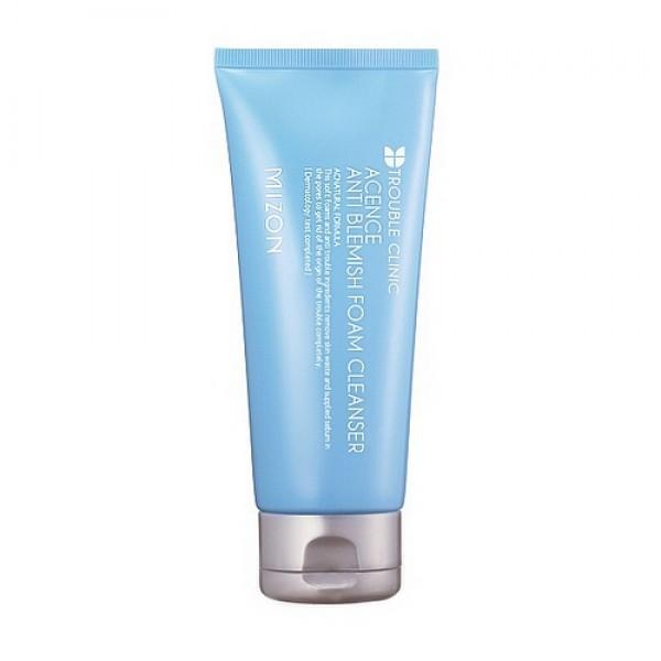 пенка для проблемной кожи очищающая mizon acence anti blemish foam cleanserAcence Anti Blemish Foam Cleanser. Пенка для проблемной кожи очищающая<br><br>Чистота является залогом предотвращения воспалительных процессов кожи. Жирная, склонная к угревой сыпи кожа, как правило, бывает очень чувствительной, поэтому очищать ее следует особенно деликатно.<br><br>&amp;nbsp;<br><br>Для этого и была разработана пена для умывания проблемной кожи Mizon Acence Anti Blemish Foam Cleanser.<br><br>&amp;nbsp;<br><br>Механизм действия пенки Mizon Acence Anti Blemish Foam Cleanser основан на нескольких фазах:<br><br>- ферментное воздействие,<br><br>- диффузионная очистка растворимыми частицами&amp;nbsp;<br><br>- моющее действие.<br><br>&amp;nbsp;<br><br>Пенка содержит специальные гранулы, которые бережно отшелушивают отмершие частички кожи, не повреждая ее защитный слой.<br><br>&amp;nbsp;<br><br>Выравнивает тон кожи, устраняет пигментационные и застойные пятна после угрей, налаживает водно-жировой баланс.<br><br>&amp;nbsp;<br><br>Пенка Mizon Acence Anti Blemish Foam Cleanser не содержит: этанол и красители, поэтому является гипоаллергенной. Продукция прошла дерматологическое тестирование.<br><br>&amp;nbsp;<br><br>- Экстракты папайи и гипсофилы метельчатой мягко отшелушивают мертвые клетки и глубоко очищают поры благодаря энзимам и сапонинам, входящим в их состав.<br><br>- Бромелайн – фермент, полученный из ананаса, выборочно отшелушивает мертвые клетки кожи, не имея негативного влияния на нормальную кожу вокруг. Помогает свести к минимуму покраснения, воспаления и синяки, обладая болеутоляющими, рассасывающими и антикоагулянтными свойствами. Он минимизирует венозный застой, облегчает дренаж, увеличивает проницаемость и восстанавливает ткани. Значительное количество исследований показывает, что бромелайн эффективно уменьшает отеки и воспаления на коже. Также оказывает анти-эйдж эффект, уменьшение провисания лица, пигментных пятен и морщин.<br><br>- Масло макадамии – по составу близко к
