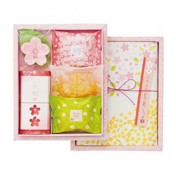 """набор косметики """"цветы и травы"""" (большой) master soap saika dayori soap set (big)"""