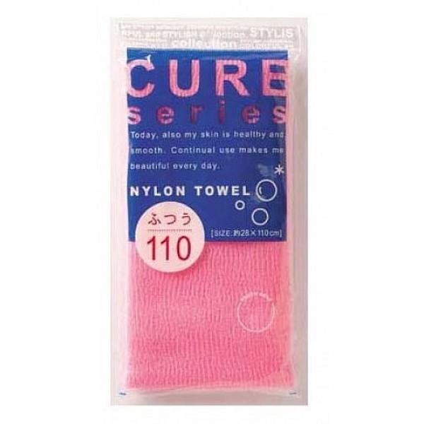 мочалка для тела средней жесткости (розовая) o:he cure nylon towel (regular)Cure Nylon Towel (Regular). Мочалка для тела средней жесткости (розовая)<br><br>Объёмное плетение нейлоновых нитей позволяет создавать нежную пену даже при минимальном количестве, используемого мыла. Применение этой мочалки, позволяет чувствовать себя прекрасно каждый день. Мочалка прекрасно массирует тело, очищает поры, стимулирует циркуляцию крови. <br><br>После мытья мочалку необходимо очистить от остатков мыла и высушить.<br><br>Предупреждение: использовать мочалку только для мытья тела; при чувствительной коже тела, а также в случае длительного и интенсивного трения одного и того же участка тела может возникнуть раздражение кожи; в процессе длительного использования размер мочалки и её форма может слегка деформироваться; не использовать для стирки мочалки синтетические моющие средства, отбеливание, машинную стирку и сушку; не сушить мочалку вблизи открытого огня.<br><br>Состав: 100% нейлон.<br>