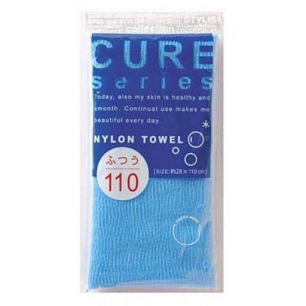 мочалка для тела средней жесткости (синяя) o:he cure nylon towel regular blueCure Nylon Towel Regular Blue. Мочалка для тела средней жесткости (синяя)<br><br>Объёмное плетение нейлоновых нитей позволяет создавать нежную пену даже при минимальном количестве, используемого мыла. Применение этой мочалки, позволяет чувствовать себя прекрасно каждый день. Мочалка прекрасно массирует тело, очищает поры, стимулирует циркуляцию крови. <br><br>После мытья мочалку необходимо очистить от остатков мыла и высушить.<br><br>Предупреждение: использовать мочалку только для мытья тела; при чувствительной коже тела, а также в случае длительного и интенсивного трения одного и того же участка тела может возникнуть раздражение кожи; в процессе длительного использования размер мочалки и её форма может слегка деформироваться; не использовать для стирки мочалки синтетические моющие средства, отбеливание, машинную стирку и сушку; не сушить мочалку вблизи открытого огня.<br><br>Состав: 100% нейлон.<br>