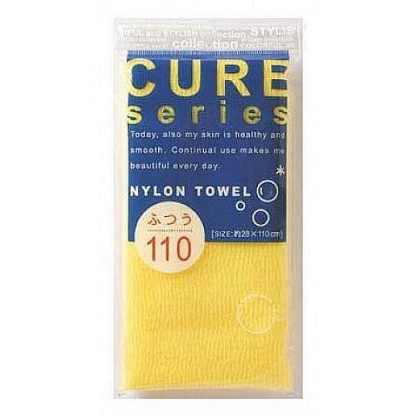мочалка для тела средней жесткости (желтая) o:he cure nylon towel regular yellowCure Nylon Towel Regular Yellow. Мочалка для тела средней жесткости (желтая)<br><br>Объёмное плетение нейлоновых нитей позволяет создавать нежную пену даже при минимальном количестве, используемого мыла. Применение этой мочалки, позволяет чувствовать себя прекрасно каждый день. Мочалка прекрасно массирует тело, очищает поры, стимулирует циркуляцию крови. <br><br>После мытья мочалку необходимо очистить от остатков мыла и высушить.<br><br>Предупреждение: использовать мочалку только для мытья тела; при чувствительной коже тела, а также в случае длительного и интенсивного трения одного и того же участка тела может возникнуть раздражение кожи; в процессе длительного использования размер мочалки и её форма может слегка деформироваться; не использовать для стирки мочалки синтетические моющие средства, отбеливание, машинную стирку и сушку; не сушить мочалку вблизи открытого огня.<br><br>Состав: 100% нейлон.<br>