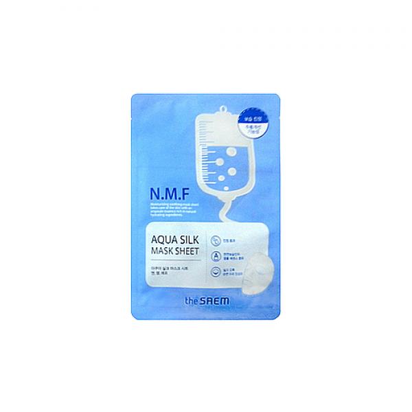 маска для лица увлажняющая the saem aqua silk mask sheet-n.m.f oldAqua Silk Mask Sheet-N.M.F Old. Маска для лица увлажняющая<br><br>Тканевая маска с мультивитаминной эссенцией и натуральным увлажняющим фактором<br><br>&amp;nbsp;<br><br>Маска на нежной и шелковистой тканевой основе из экологически чистых материалов предназначены для мгновенного увлажнения кожи. 10-20 минут использования маски позволят значительно улучшить состояние кожи перед каким-нибудь важным мероприятием или после тяжелого дня.<br><br>&amp;nbsp;<br><br>Маска пропитана мощным увлажняющим компонентом, натуральным и адаптированным к физиологическим функциям кожи. Этот компонент позволяет притягивать влагу из атмосферы и запирать ее в роговом слое, благодаря чему поддерживается оптимальный уровень увлажненности. В составе маски эффективный антивозрастной компонент – аденозин, помогает бороться с морщинами. Его действие не ослабевает под воздействием тепла и света.<br><br>&amp;nbsp;<br><br>После использования маски кожа не только увлажнена, она становится упругой и эластичной, устраняются шелушения, разглаживаются морщины.<br><br>&amp;nbsp;<br><br>Способ применения: После очищения и тонизирования кожи наложить маску на 10-20 минут. Затем маску снять, а остатки средства вмассировать в кожу.<br><br>&amp;nbsp;<br><br>Объем: 25 мл<br>