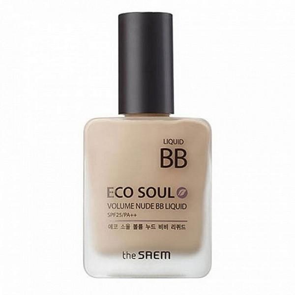 бб крем the saem eco soul volume nude bb liquidEco Soul Volume Nude BB Liquid. ББ Крем&amp;nbsp;эффект обнаженной кожи<br><br>Многофункциональный бб крем предназначен для осветления пигментации, выравнивания тона кожи и разглаживания морщин.<br><br>&amp;nbsp;<br><br>Легкой вуалью покрывая лицо, он создает на коже нежное, естественное покрытие. Благодаря технологии адаптации цвета, этот бб-крем с мягкой текстурой великолепно сливается с каждым индивидуальным тоном кожи, скрывая различные кожные несовершенства и обеспечивая эффект совершенной кожи без признаков макияжа.<br><br>&amp;nbsp;<br><br>В составе крема высокое содержание омолаживающих, осветляющих, увлажняющих, оздоравливающих кожу компонентов, которые, благодаря целенаправленному воздействию восстанавливают клетки кожи, корректируют ее тон, заметно сокращают морщины и разглаживают кожу, защищают ее естественную красоту от агрессивного воздействия окружающей среды, в том числе от фотостарения (фактор защиты от УФ-излучения SPF25 PA ++.<br><br>&amp;nbsp;<br><br>Ниацинамид – высокоэффективный осветляющей компонент, безопасный для кожи, осветляет темные участки кожи, уменьшает покраснения и следы пост-акне. Запускает процессы мощного клеточного обновления, стимулирует синтез коллагена, восстанавливает барьерную функцию кожи и уменьшает потерю влаги, улучшает эластичность, уменьшает видимые проявления старения, регулирует выработку кожного сала и устраняет жирный блеск лица.<br><br>&amp;nbsp;<br><br>Аденозин – поддерживает клеточную активность, способствует устранению морщин: мелкие разглаживаются, а глубокие становятся менее выраженными. Аднеозин – очень эффективный компонент антивозрастной косметики, так как он не разрушается под воздействием тепла и света, поэтому подходит и для дневного ухода за кожей, не теряя своих свойств.<br><br>&amp;nbsp;<br><br>Растительные экстракты зеленого чая, алоэ вера, чайного дерева, тысячелистника, полыни, арники, лимона, рисовых отрубей увлажняют и питают кожу, насыщают её витам