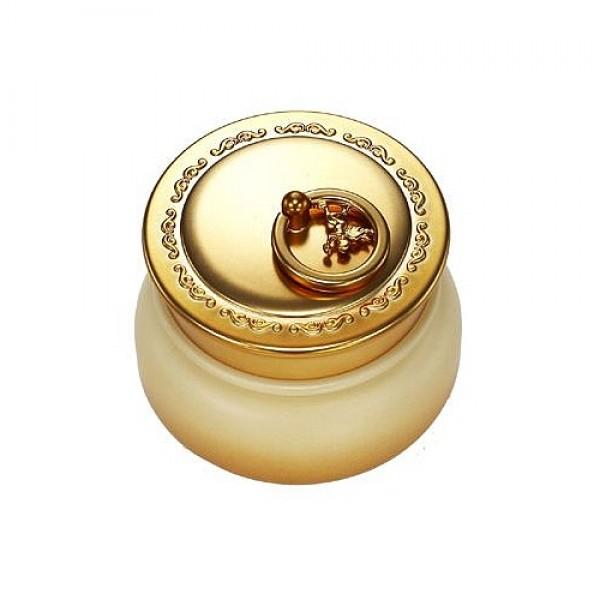 крем для лица с экстрактом икры и частицами золотаGold Caviar Cream. Крем для лица с экстрактом икры и частицами золота<br><br>Омолаживающий крем для сухой кожи увлажняет, питает и оказывает лифтинг-эффект на сухую увядающую кожу. Икра содержит все элементы, необходимые для продления молодости исключительно полезные аминокислоты, минеральные соли, йод.<br><br>&amp;nbsp;<br><br>Экстракт икры резко активизирует выработку в коже коллагена, количество которого с возрастом уменьшается, возвращая коже эластичность и упругость.<br><br>&amp;nbsp;<br><br>Ионы золота в составе не только имеет бактерицидное действие, но и в значительной мере увеличивает способность кожи к впитыванию всех полезных компонентов крема.<br><br>&amp;nbsp;<br><br>Способ применения: нанести крем на очищенное лицо мягкими круговыми движениями.<br><br>&amp;nbsp;<br><br>Объем: 45 гр<br><br>Вес г: 45.00000000