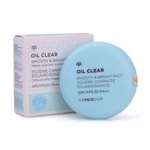 пудра компактная the face shop oil clear smooth&amp;bright pactOil Clear Smooth&amp;amp;Bright Pact. Пудра компактная<br><br>Легкая прозрачная пудра гарантирует безупречную, матовую кожу. Контролирует работу сальных желез, препятствует появлению сального блеска и липкости кожи. Сохраняет чистый, свежий тон в течение всего дня. Пудра фиксирует макияж, сохраняет аккуратность.<br><br>Содержит комплекс для снижения уровня жирности кожи Oil-Cut. В этот запатентованный фито-комплекс входят натуральные экстракты, такие как: экстракт фасоли, сок березы, экстракт плюща и в том числе экстракт бобов мунг, сужающий поры, успокаивающий кожу, освежающий и очищающий.<br><br>В бобах мунг содержатся A, B, C, E, K, железо, калий, кальций. Экстракт бобов мунг благотворно воздействует на кожу, регулируя секрецию себума, а также активизирует обменные процессы в клетках, придает упругость и защищает от воздействия свободных радикалов.<br><br>Экстракт фасоли оказывает противовоспалительное и антиоксидантное действие, подтягивает, разглаживает и тонизирует кожу.<br><br>Березовый сок освежает и увлажняет кожу.<br><br>Косметические средства, содержащие экстракт плюща, повышают эластичность и упругость кожи, выравнивают ее и защищают от атмосферных воздействий. Плющ превосходно тонизирует и подтягивает кожу, он оказывает стимулирующее и регенерирующее действия. Косметика с ним подходит для ухода за жирной кожей, поскольку плющ обладает антимикробными и успокаивающими свойствами.<br><br>Варианты:<br><br><br>V201 — светло-бежевый нейтральный оттенок для светлых тонов кожи.<br><br>N203 — натурально-бежевый теплый оттенок для оливкового тона или кожи с желтым подтоном.<br><br><br>Советы от консультантов The Face Shop: Пудра может использоваться как фиксирующий верхний слой после тонального крема, либо самостоятельно. Наносите кистью для более тонкого покрытия или спонжем для более плотного, если требуется скрыть недостатки. Повторите в течение дня по мере необходимости. Не рекомендуется частое пр