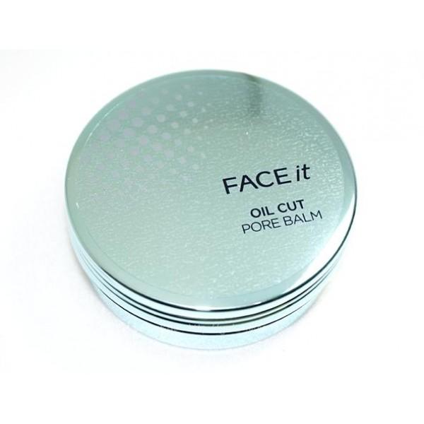 затирка для пор the face shop it oil cut pore balmOil Cut – это серия продуктов для макияжа, решающая проблемы комбинированной, жирной и проблемной кожи. Запатентованный фито комплекс дает мгновенный и продолжительный эффект матовой кожи, балансирует работу сальных желез и помогает в борьбе с акне, уменьшая воспаления и оказывая антибактериальный эффект.<br><br>Oil Cut Pore Balm - это бальзам полутвердой текстуры тает от тепла кожи, легко и равномерно распределяется. Имеет приятный легкий аромат, нежный с нотой манго.<br><br>Продукт два в одном — матирует и повышает стойкость макияжа, выравнивает микрорельеф кожи, скрывает поры и мелкие неровности, лечит угревую сыпь и воспаления.<br><br>Предназначен для тех, кто желает моментально скрыть расширенные поры, постакне и мелкие морщинки. Кроме оптического эффекта, продукт ухаживает за кожей.<br><br>Основные ингредиенты:<br><br><br>Бобы мунг эффективно борются с угревой сыпью, оказывают антибактериальный эффект, балансируют выделение кожного сала.<br><br>Экстракт щавеля обладает осветляющим действием, при регулярном применении постакне и пигментные пятна становятся менее заметными. Укрепляет сосуды и капилляры, выравнивая тон кожи и снижая ее красноту.<br><br>Березовый сок тонизирует и разглаживает.<br><br>Масло манго поддерживает кожу увлажненной, исключает появление шелушений.<br><br><br>Способ применения: Небольшое количество средства нанести и распределить на зоне Т или локально, только на проблемные участки.<br><br>Советы от консультантов The Face Shop: Первый шаг макияжа, продукт наносится до базы и/или тональных средств. Нанесите с помощью синтетический кисти для корректора точечно на проблемный участок, чтобы визуально скрыть мелкие недостатки. Либо используйте на всю поверхность Т зоны, чтобы скрыть расширенные поры и постакне. При очень жирной коже допускается применение для всего лица, кроме зоны вокруг глаз и на губах.<br><br>Вес: 17 г<br><br>Срок годности: 36 месяцев, 12 месяцев после вскрытия.<br><br>Вес г: