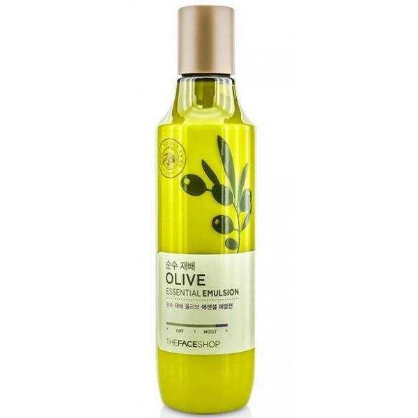 эмульсия для лица оливковая the face shop olive essential emulsionOlive Essential Emulsion. Эмульсия для лица оливковая<br><br>Станет отличным дополнением к повседневному уходу за кожей. Она обладает прекрасными увлажняющими свойствами и благотворно воздействует на кожу.<br><br>Содержит такие природные ингредиенты, как:<br><br><br>Оливковое масло – напитывает кожу влагой и полезными веществами, великолепно смягчает, быстро обновляет и оберегает от любых воздействий.<br><br>Гиалуроновая кислота – обеспечивает необходимое увлажнение кожи, надолго задерживает влагу внутри, возвращает прежнюю упругость, заживляет раны и устраняет имеющиеся морщины.<br><br>Пантенол – эффективно борется с воспалениями, обеспечивает глубокое увлажнение, разглаживает заломы, вызванные сухостью кожи.<br><br>Экстракт алоэ – нормализует кровоснабжение, ускоряет рост новых клеток, снимает раздражения и предупреждает раннее увядание кожи.<br><br>Экстракт аниса – прекрасно освежает, уменьшает отечность, избавляет от шелушений, восстанавливает кожу после негативных воздействий.<br><br>Масло семян клещевины – устранят сухость, придает мягкость, делает кожу нежной и бархатистой.<br><br><br>Эмульсия возвращает коже упругость, отлично выравнивает тон, дарит невероятное ощущение свежести, придает здоровое сияние. Используя этот продукт, можно сохранить красоту и продлить молодость кожи.<br><br>Способ применения: Нанести эмульсию на чистую кожу и распределить поглаживающими движениями.<br><br>Объем: 150 мл<br>