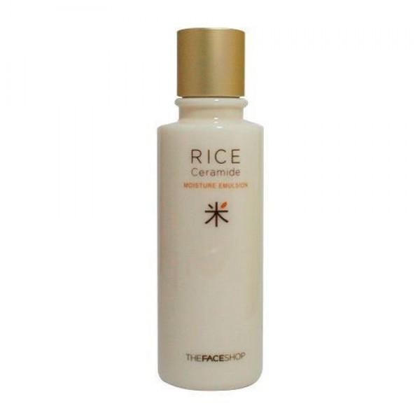 эмульсия увлажняющая the face shop rice&amp;ceramide moisturizing emulsionЛинейка Rice &amp;amp; Ceramide разработана для тех, кто стремится выровнять тон лица, уменьшить пигментацию, а также получить мягкое питание кожи. Благодаря содержанию ключевых компонентов – риса и керамидов, это стало возможно. Линейка идет в 3 шага: тонер – эмульсия – крем.<br><br>Эмульсия Rice&amp;amp;Ceramide Moisturizing Emulsion&amp;nbsp;– второй шаг в уходе за кожей лица. Полужидкая текстура белого цвета. Аромат нежный, кремовый. Средство содержит полезные компоненты: рис и керамиды.&amp;nbsp;<br><br>Эмульсия совмещает древние восточные рецепты красоты и современные технологии. Умывания рисовой водой помогали восточным красавицам сохранять белизну и упругость кожи лица.<br><br><br>Рисовые протеины и масло рисовых отрубей в составе эмульсии увлажняют и разглаживают кожу, обеспечивая ей длительный уход на протяжении всего дня.<br><br>Лецитин является незаменимым компонентом клеточных систем, а наночастицы входящие в состав эмульсии облегчают проникновение компонентов вглубь клеток.<br><br>Керамиды создают защитный барьер на поверхности эпидермиса, что способствует уменьшению чувствительности кожи, раздражений и воспалений.<br><br>Натуральные аминокислоты помогают сохранить эластичность кожи, предотвращая образование морщин. Керамиды выступают в роли увлажнителя, помогая клеткам сохранить гидробаланс, поддерживают тургор лица и шелковую гладкость кожи.<br><br><br>Предназначена для людей от 18 лет, подходит для сухого, жирного, комбинированного и нормального типов кожи.<br><br>Способ применения: После очищения кожи, нанесите тонер на лицо, а затем эмульсию. Дайте средству впитаться. После нанесите крем. Для быстрого впитывания можете похлопать ладошками по коже.<br><br>Советы от консультантов THE FACE SHOP:&amp;nbsp;Иногда, в летний период, можно нанести эмульсию как конечный этап, с тонером, но без крема.<br><br>Объем: 150 мл<br>