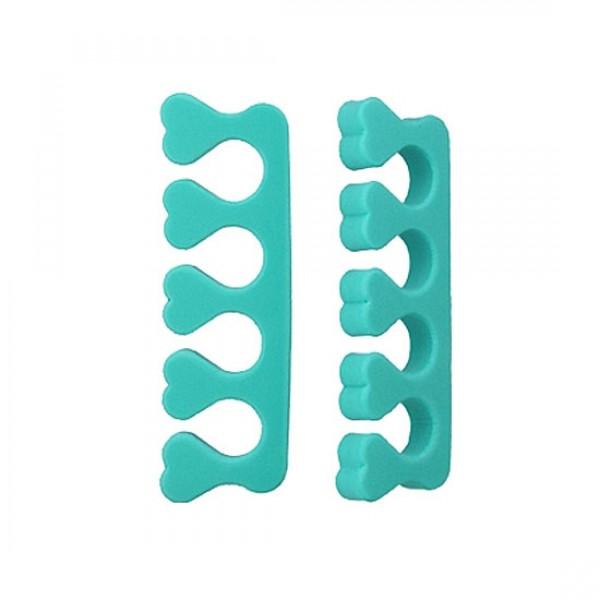 разделитель пальцев ног для педикюра the saem toe seperatorToe Seperator. Разделитель пальцев ног для педикюра<br><br>Качественный педикюр — непростая задача, прежде всего, потому что низкое расположение и малая подвижность пальцев ног не позволяет обрабатывать отдельно каждый ноготь. Даже используя обычные маникюрные ножницы неосторожным движением можно поранить соседний палец.<br><br>Разделитель пальцев на ногах для педикюра позволит производить педикюрные процедуры с большим удобством.<br><br>Способ применения: Перед разделением пальцев для удобства надевания инструмента, а чтобы избежать дискомфорта и трения используйте увлажняющий крем. Затем напрягите пальцы и расставьте их веером, чтобы аккуратно по одному вкладывать их в гнёзда разделителя. Расслабьте ступни, чтобы не мешать себе проводить манипуляции. После проведения всех необходимых процедур снова расставьте пальцы и нежно снимите разделитель.<br><br>Количество: 1 шт<br><br>Вес г: 5.00000000