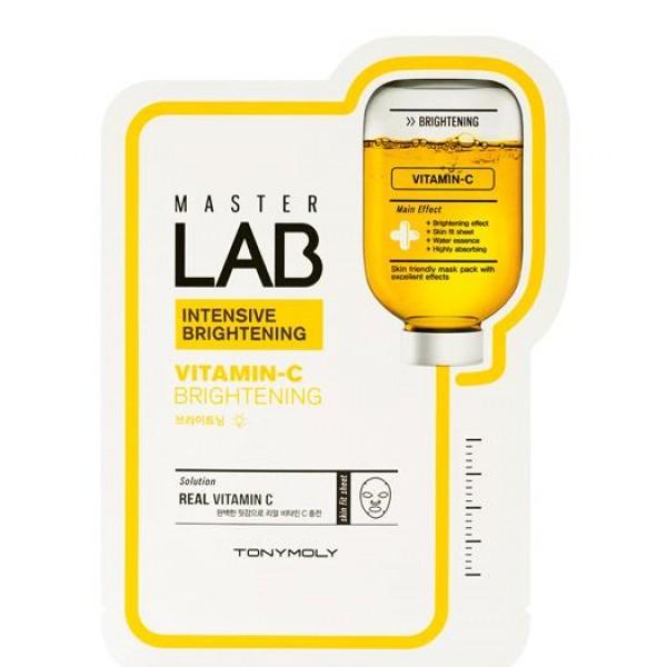 маска тканевая осветляющая tony moly master lab vitamin c maskMaster Lab Vitamin C Mask. Маска тканевая осветляющая<br><br>Новинка – тканевая маска, пропитанная специальной высококонцентрированной эссенцией. Маска позволяет в домашних условиях профессионально ухаживать за кожей лица, и делать это быстро, легко и просто.<br><br>Маска предназначена для интенсивного осветления пигментации, для выравнивания тона кожи и устранения тусклости.<br><br>В составе эссенции, которой пропитана маска, витамин C – один из «витаминов красоты».<br><br>Витамин С (аскорбиновая кислота) является эффективным «ловцом» свободных радикалов. Именно он нейтрализует их агрессивное воздействие на кожу, а также восстанавливает окисленную форму витамина E, преобразуя его в антиоксидантную форму. Витамин C в составе косметики защищает кожу от УФ-излучения, предупреждает ее преждевременное старение. Благодаря витамину ускоряется заживление воспалений, повышается упругость кожи, происходит разглаживание морщин.<br><br>Еще одно важное свойство витамина C – его способность блокировать процесс образования меланина, благодаря чему осветляется существующая пигментация и предупреждается появление новой.<br><br>При регулярном применении маски кожа разглаживается, становится упругой и эластичной, тон кожи выравнивается, лицо обретает свежесть и естественное сияние.<br><br>Способ применения: На очищенную кожу лица приложить маску, разгладить ее и оставить на 20-30 минут.<br><br>Вес: 19 г<br><br>Вес г: 19.00000000