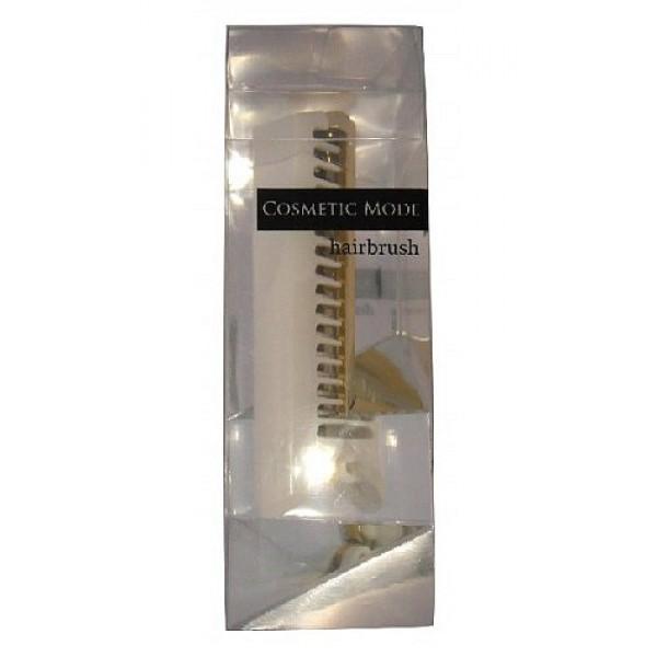расчёска-щётка компактной формы (белая) vess cosmetic mode hairbrush compactCosmetic Mode Hairbrush Compact. Расчёска-щётка компактной формы (белая) имеет удивительно компактную форму, легко складывается и раскладывается одним движением, без труда поместится в любой дамской сумочке. В сложенном виде зубцы расчёски закрыты корпусом ручки, что исключает их соприкосновение с сумочкой (зубцы расчёски всегда остаются чистыми).<br><br>Внимание при применении:<br>Не используйте при заболеваниях или повреждениях кожи головы.<br>Избегайте продолжительного воздействия горячего воздуха фена, что может привести к изменению формы расчёски.<br>Не наносите непосредственно на расчёску специальные средства для расчёсывания (или, например, выпрямления спутанных волос), что может повлиять на качество расчёски.<br><br>По мере загрязнения ополосните расчёску тёплой водой, хорошо обсушите (на воздухе, без специальных средств для сушки).<br><br>Состав: зубцы полиэстеровый эластомер, основной корпус-держатель с ручкой ABS древесная смола<br>