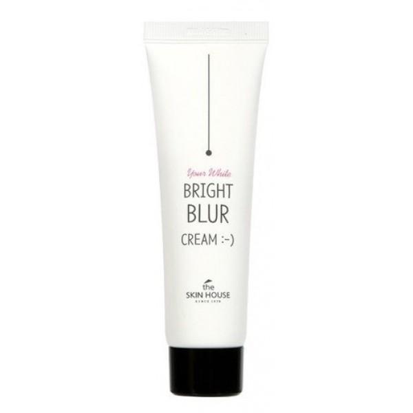 крем для лица с блюр эффектом the skin house bright blur creamBright Blur Cream. Крем для лица с БЛЮР эффектом<br><br>Крем для лица с БЛЮР эффектом улучшает внешний вид кожи, позволяет получить мгновенный эффект гладкой кожи « как у младенца», содержит частицы, отражающие свет для заметного улучшения вида кожи и создающие ровный, свежий цвет лица.<br><br>Сферические и плоские рассеивающие частицы отражают и изменяют направление лучей света, в результате чего создаётся естественный эффект свечения линий и размытия фокусировки на коже.<br><br>Это легкое средство, которое разглаживает кожу и мгновенно придает ей матирующий эффект, чтобы моментально преобразить внешний вид. Так же крем обладает значительными ухаживающими свойствами, при регулярном использовании средство уменьшает видимость пор и улучшает состояние кожи.&amp;nbsp;<br><br>Крем-блюр содержит:<br><br><br>экстракт женьшеня и лилии, он позволяет мягко осветлить пигментацию, выровнять цвет лица. Благодаря «эффекту фотошопа» ( «Blur» с англ «расплывчатость, неясные очертания», инструмент в фотошопе), средство сглаживает недостатки кожи и поэтому может использоваться как основа под макияж.<br><br>ниацинамид в составе крема оказывает не только осветляющее воздействие, но и способствует омоложению и обновлению кожи. Крем избавляет от темных пятнышек пост-акне, а также возрастной пигментации, делает потускневшую и усталую кожу сияющей и здоровой.<br><br>женьшень считается настоящей панацеей для кожи, насыщая ее витаминами и микроэлементами, необходимыми для поддержания молодости и красоты, а также защищая от свободных радикалов.<br><br>экстракт алоэ, который прекрасно успокаивает раздражения, увлажняет кожу.<br><br>улиточный муцин в составе крема прекрасно подходит для ухода за любым типом кожи. Муцин улитки способствует быстрой регенерации клеток кожи, разглаживает шрамы и рубцы, залечивает микротравмы кожи.<br><br>экстракт лилии белой значительно повышает защитные свойства гидролипидного барьера, защищает от своб