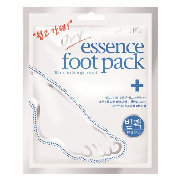смягчающая питательная маска для ног petitfee dry essence foot packDry Essence Foot Pack. Смягчающая питательная маска для ног<br><br>Для ухода за кожей ног, для ее увлажнения, питания и смягчения великолепно подходят специальные носочки. Такое простое в применении средство позволяет в домашних условиях, экономя время и финансы на посещение салона, значительно улучшить состояние кожи ступней, она станет мягкой, нежной, гладкой.<br><br>В составе эссенции внутри носочков:<br><br><br>Масло подсолнуха оказывает питательное, увлажняющее и смягчающее действие, ускоряет регенерацию клеток кожи, оживляет её и улучшает цвет.<br><br>Масло ши глубоко питает и увлажняет кожу, оказывает защитное, регенерирующее действие, стимулирует синтез коллагена, устраняет шелушения, успокаивает воспаления, восстанавливает сухие и потрескавшиеся ее участки. Регулярное использование масла уплотняет текстуру кожи, повышает тонус и упругость, замедляет ее старение.<br><br>Мочевина оказывает отшелушивающее действие, способствуя удалению омертвевших клеток и грязи с рогового слоя кожи, одновременно с этим улучшая регенерацию клеток в эпидермисе. Мочевина является эффективным увлажняющим компонентом, она улучшает состояния кожи, вызванные сухостью, оберегает ее от потери влаги и предупреждает обезвоживание кожи. Также мочевина укрепляет защитный барьер кожи, помогает клеткам восстанавливаться и обновляться, способствует заживлению ран, ускоряя этот процесс.<br><br>Экстракт алоэ вера оказывает мощное восстанавливающее и оздоравливающее воздействие на кожу, усиливает ее защитные функции, глубоко увлажняет кожу, оказывает стимулирующее, регенерирующее, противовоспалительное воздействие, улучшает капиллярное кровообращение, снимает отечность, успокаивает кожу, служит защитой от УФ-лучей.<br><br><br>Способ применения: на чистые ступни надеть носочки и оставить их на 20-30 минут, затем носочки снять, а остатки средства вмассировать в кожу.<br><br>Вес: 23 г<br><br>Вес г: 23.00000000