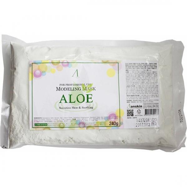 маска альгинатная с алоэ успокаивающая anskin aloe modeling mask / refillМаска альгинатная с экстрактом алоэ успокаивающая (пакет) Aloe Modeling Mask / Refill интенсивно успокаивающая маска содержит комплекс аминокислот, сапонин, минеральных веществ, растительные экстракты и аллантоин, благодаря им положительно воздействует на эпителий кожи, значительно улучшает его, действуя успокаивающе и активно питая кожу. Обладает бактерицидными и бактериостатическими свойствами.<br>&amp;nbsp;<br><br>Положить порошок мерной чашкой и воду (или активатор) в миску в соотношении 1:0,8 (на 100&amp;nbsp;мл&amp;nbsp;порошка 80 мл воды), быстрыми движениями перемешайте до однородной массы при помощи шпателя. При помощи шпателя нанесите маску слоем 3-5 мм на очищенную кожу лица, оставляя открытыми только ноздри. Оставить маску на 20-25 минут до застывания. Удалить её одним пластом, от подбородка ко лбу. За 2-3 минуты до наложения маски рекомендуется наносить биоактивные сыворотки, кремы или гели.<br>&amp;nbsp;<br><br>Маска содержит диатомит, глюкозу, альгинат натрия, сульфат кальция, бетаин , оксид цинка , экстракт алоэ вера (1%) гидролизованный пшеничный глютен , экстракт солодки, аллантоин, бетаин, гиалуроновую кислоту , экстракт оливы<br><br>Вес г: 240.00000000