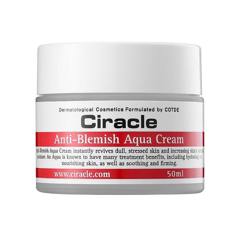 крем для лица увлажняющий для проблемной кожиAnti Blemish Aqua Cream. Крем для лица увлажняющий для проблемной кожи<br><br>За проблемной кожей лица требуется особый уход. Ее нужно не только тщательно очищать и питать, но и регулярно увлажнять. Крем для увлажнения проблемной кожи от Ciracle обладает всеми необходимыми свойствами для эффективного ухода.<br><br>&amp;nbsp;<br><br>Текстура крема нежная, легко и равномерно распределяется по кожи, быстро впитывается, не оставляет липкой пленки или жирного блеска.<br><br>&amp;nbsp;<br><br>Состав крема оптимально сбалансирован, его активные компоненты не только увлажняют кожный покров, но и нормализуют работу сальных желез, оказывают противовоспалительное действие, воздействуют на самые глубокие слои эпидермиса, успокаивая воспаления и раздражения.<br><br>&amp;nbsp;<br><br>Алоэ вера тысячелетиями считается растением красоты и жизни, которое создано природой для оздоровления кожи. При этом, регенерационные и биостимулирующие свойства алоэ признаны не только народной, но и официальной медициной.<br><br>&amp;nbsp;<br><br>Экстракт алоэ вера подходит для ухода за любым типом кожи: увлажняет сухую, успокаивает чувствительную и раздраженную, способствует заживлению воспалений проблемной кожи, регулирует работу сальных желез жирной кожи, омолаживает зрелую.<br><br>&amp;nbsp;<br><br>Также в составе крема пантенол, аллантоин, масло лимона и гиалуроновая кислота<br><br>&amp;nbsp;<br><br>Крем клинически протестирован, одобрен дерматологами, может использоваться даже для самой чувствительной кожи.<br><br>&amp;nbsp;<br><br>Способ применения: На очищенную кожу лица нанести легкими поглаживающими движениями.<br><br>&amp;nbsp;<br><br>Объем: 50 мл<br>