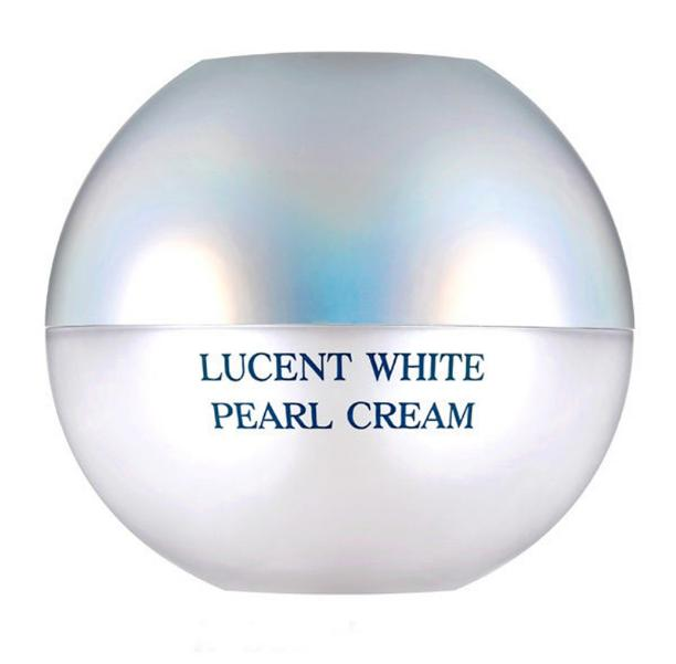 крем для лица осветляющий жемчужный rire lucent white pearl creamLucent White Pearl Cream. Крем для лица осветляющий жемчужный<br><br>Уникальный, роскошный крем, который похож на изящную шкатулку, наполненную жемчужинами. Такой крем будет радовать не только своей эффективностью, но и внешним видом – это средство приятно держать в руках и приятно наносить на кожу.<br><br>В баночке жемчужины «плавают» в интенсивной эссенции – сочетание двух текстур позволяет добиться потрясающих результатов. Эссенция оказывает выраженное увлажняющее действие, а жемчужины дарят коже нежное сияние.<br><br>Экстракты жемчуга 1020 ppm и жемчужной пудры 70 ppm оказывают увлажняющее и питательное действие, повышают упругость и эластичность кожных покровов, способствует разглаживанию морщин и осветлению пигментации. Крем с жемчугом делает кожу более подтянутой, дарит лицу красивый цвет и изысканную матовость.<br><br>Также крем содержит 5 видов цветочных экстрактов (пион, лилия, ландыш, эдельвейс магнолия), которые оказывают увлажняющее и осветляющее действие, обеспечивают коже антиоксидантную защиту и предупреждают преждевременное старение.<br><br>Аденозин в составе крема способствует разглаживанию морщин, а ниацинамид повышает осветляющие свойства крема.<br><br>Способ применения: Используя шпатель вынуть 3-4 жемчужины и немного эссенции, раздавить капсулы и смешав их с эссенцией нанести на кожу лица мягкими движениями.<br><br>Объем: 50 мл<br>
