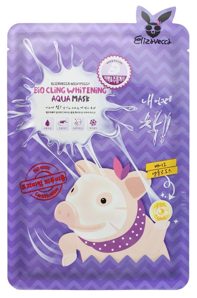 омолаживающая маска из биоцеллюлозы elizavecca milky piggy bio cling whitening aqua maskМаска Milky Piggy Bio Cling Whitening Aqua Mask - уникальная разработка Elizavecca, повторяющая контуры лица, плотно облегающая кожу и буквально срастающаяся с ней. Благодаря такому прилеганию маска максимально полно насыщают кожу полезными компонентами, запускающими процессы восстановления и омоложения.<br><br>Маска мгновенно увлажняет кожу, успокаивает ее, а также способствует отешлушиванию ороговевших клеток кожи и их безболезненному удалению, благодаря чему выравнивается и поверхность кожи, и ее тон. Уже после первого использования виден результат: кожа увлажненная, свежая и сияющая, уменьшается количество покраснений, исчезают шелушения.<br><br>В составе маски натуральные омолаживающие компоненты, которые способствуют увлажнению и осветлению кожи, восстановлению поврежденных участков и заживлению воспалений, а также разглаживанию морщин.<br><br>При регулярном применении маски осветляется пигментация, тон кожи становится более ровным и светлым, исчезают следы стрессов и усталости, кожа наполняется объемом, расправляется, разглаживается.<br><br>Способ применения: Приложить маску к лицу и разгладить, не допуская заломов и морщин. Через 15-20 минут маску снять.<br><br>Остатки эссенции из упаковки можно вылить в небольшую чистую емкость и использовать для кожи лица или рук. Оставшуюся эссенцию рекомендуется хранить в холодильнике.<br><br>Объем:&amp;nbsp;25 мл<br>