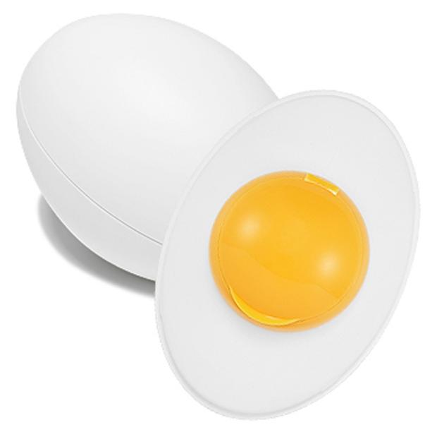 пилинг-гель для лица holika holika smooth egg skin re birth peeling gelSmooth Egg Skin Re Birth Peeling Gel.&amp;nbsp;Пилинг-гель для лица<br><br>Очищающий пилинг- гель для кожи лица- очищающее средство на основе яичного желтка яиц с экологически чистого района горы Джири (Mountain Jiri). Эффективно и глубоко очищает кожу, помогает бороться с черными точками, следами пост-акне, снижает уровень чрезмерной засаленности кожи, отшелушивает омертвевшие частицы кожи, осветляет кожу. Средство делает кожу лица эластичной, мягкой и гладкой.<br><br>Основные активные компоненты:<br><br>? Яичный желток - это проверенный временем противовоспалительный компонент, помогающий снять неприятные ощущения при образовании угревой сыпи, комедонов. Яичный желток придает коже матовость, контролируя работу желез сальной секреции. Питает кожу лецитином, способным проникать глубоко в слои кожи, интенсивно питая и увлажняя ее, повышает местный иммунитет.<br>? Гидролизованная яичная скорлупа - способствует укреплению защитных функций кожи и способствует ее осветлению.<br>? Альбумин и минеральные вещества - проводят в кожу влагу, придавая ей здоровый и свежий вид.<br>? Комплекс натуральных экстрактов: лимона, черники и апельсина – интенсивно питают кожу, предотвращает процессы преждевременного старения кожи, осветляет кожу, оказывает бактерицидное действие, нормализует процесс выработки кожного сала, насыщает кожу необходимым для синтеза коллагена витамином С, благодаря чему кожа остается мягкой и эластичной.<br>? Экстракт сахарного тростника – осветляет пигментные пятна и увлажняет кожу, помогает попадать питательным компонентам средства даже в самые глубокие слои кожи, за счет высокого содержания гликолевой кислоты.<br><br>Рекомендуется использовать средство 1-2 раза в неделю.<br><br>Способ применения:<br><br>1. Сухими руками нанесите равномерно необходимое количество средства на кожу лица, избегая области вокруг глаз и губ. Помассируйте кожу некоторое время (приблизительно 1-2 минуты).<br>2. 