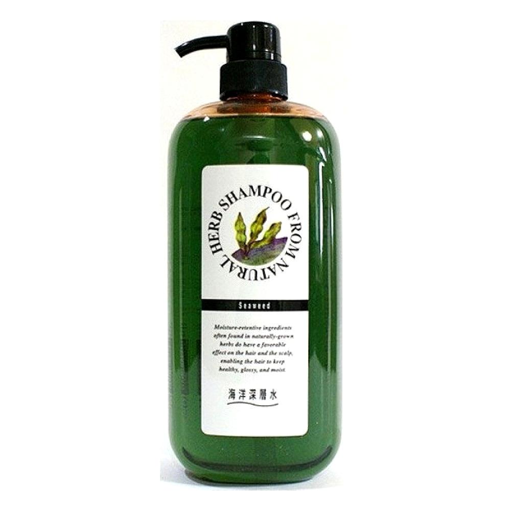 шампунь для поврежденных волос junlove natural herb shampooNatural Herb Shampoo. Шампунь на основе натуральных растительных компонентов(с экстрактом бурых водорослей для поврежденных волос) нежно заботится о Ваших волосах, хорошо очищает, улучшает состояние кожи и корней волос. <br><br>Аминокислоты и полисахариды бурых водорослей способствуют восстановлению эластичности и блеска поврежденных волос.<br>Защищает окрашенные волосы и способствует сохранению цвета.<br><br>Активные компоненты:<br><br><br>Экстракт бурых водорослей содержит соли натрия, калия, магния, железа, цинка, а также протеины, аминокислоты, полисахариды и незаменимые жирные кислоты, витамины-антиоксиданты Е и С, каротин. Этот комплекс ценных биологически активных веществ восстанавливает защитные механизмы, стимулирует кровообращение и процесс обновления клеток кожи, регулирует кислотно-щелочной и водный балансы.<br><br>Морская вода интенсивно увлажняет. Добывается из глубины, куда не проникают солнечные лучи и круглый год сохраняется низкая температура, что обеспечивает ее чистоту и богатый минералами сбалансированный состав.<br><br><br>Шампунь имеет низкую кислотность, близкую к уровню рН, свойственному здоровым волосам.<br><br>Способ применения: намочите волосы. Выдавите необходимое количество шампуня и массирующими движениями нанесите на волосы. После чего тщательно ополосните.<br><br>Меры предосторожности: не используйте средство, если оно вызывает покраснение, раздражение, зуд или воспаление кожи головы, проконсультируйтесь с врачом-дерматологом. Избегайте попадания в глаза, при попадании сразу же промойте глаза водой. Храните в недоступных для детей местах.<br><br>Состав: вода, содиум С12-13 парет сульфат, саркозинат натрия и жирных кислот кокосового масла, кокамид DEA, натрия кокоамфоацетат, пропиленгликоль, содиум лаурил метиламинопропионат, экстракт бурых водорослей, морская вода, гидрогенизированный соевый протеин, поликватерниум 10, лимонная кислота, феноксиэтанол, этил кокоил аргинат пирр