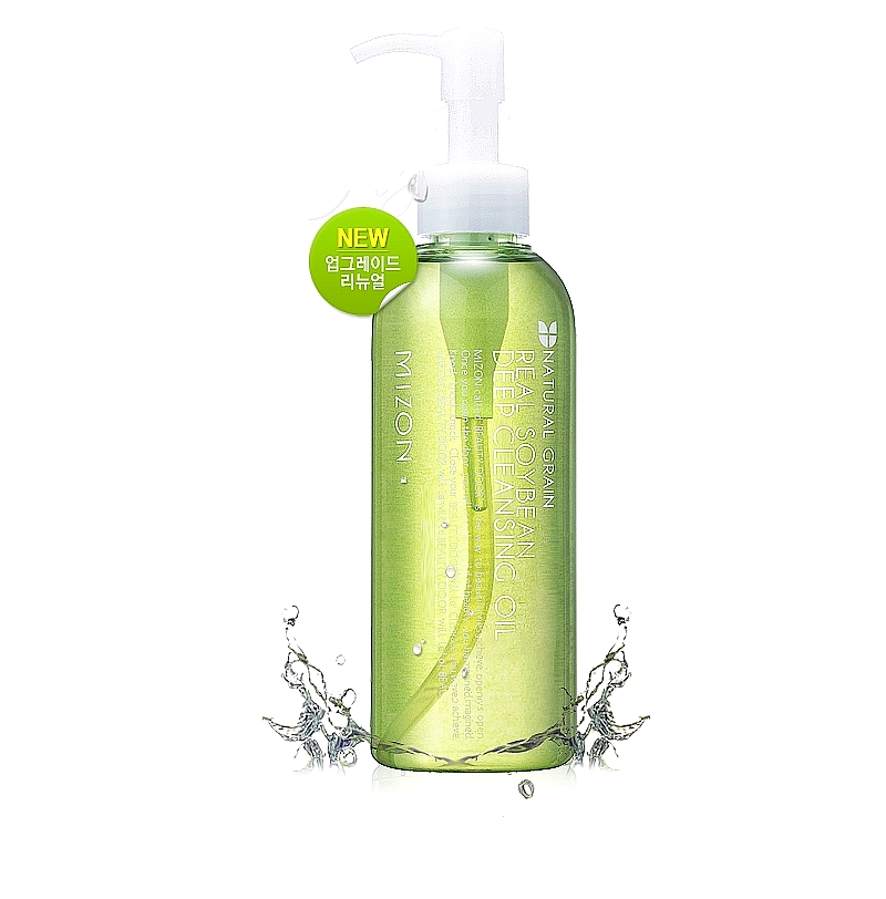 масло для лица гидрофильноеReal Soybean Deep Cleansing Oil. Масло для лица гидрофильное на основе сои.<br><br>Mizon Real Soybean Deep Cleansing Oil – глубокий, но деликатный уход за кожей лица. Очищает от загрязнений и макияжа.<br><br>Масло эффективно для удаления с кожи BB крема.<br><br>&amp;nbsp;<br><br>Средство для ухода за кожей, в составе которого 7 натуральных растительных масел, помогает бороться с такими проблемами, как черные точки. Очищает кожу от ороговевших клеток, растворяет кожный жир.<br><br>&amp;nbsp;<br><br>Гидрофильное масло богато витаминами и жирными кислотами, помимо очищения кожи, прекрасно питает её, тонизирует, освежает. Регулярное использование гидрофильного масла разглаживает кожу, помогает уменьшить глубину морщин. Кожа лица становится нежной, мягкой, бархатистой.<br><br>&amp;nbsp;<br><br>Гидрофильное масло, мягко проникая в поры, эффективно ухаживает за любым типом кожи.<br><br>&amp;nbsp;<br><br>Масло Mizon Real Soybean Deep Cleansing Oil не применять при нарощенных ресницах и с осторожностью – при ношении контактных линз. В составе масла нет парабенов и искусственных красителей.<br><br>&amp;nbsp;<br><br>Активные компоненты: натуральные масла сои, примулы вечерней, жожоба, камелии, пенника лугового, подсолнечника, токоферола ацетат (витамин Е), аскорбил пальмитат (жирорастворимая форма витамина С).<br><br>&amp;nbsp;<br><br>Способ применения : на сухую кожу лица нанести масло, аккуратно помассировать. Смочить руки теплой водой и еще помассировать лицо. Смыть теплой водой. После очищения кожи маслом можно использовать еще пенку для умывания.<br><br>&amp;nbsp;<br><br>Объём: 200 мл<br>