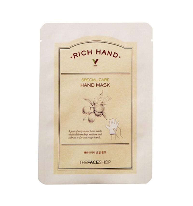 маска для рук питательная the face shop rich hand v special care hand maskRich Hand V — это серия продуктов для эффективного ухода за кожей рук на основе натурального оливкового и масла семян подсолнечника. Средства линии оказывают глубокий питательный и увлажняющий эффект, разглаживают и смягчают кожу.<br><br>Rich Hand V Special Care Hand Mask - маска для рук в форме пары перчаток. Проста в использовании.<br><br>Основное действие:<br><br><br>Увлажняет и питает, разглаживает морщинки.<br><br>Борется с сухостью и ощущением стянутости кожи.<br><br>Предотвращает появление мозолей и помогает избавиться от шелушения.<br><br><br>Предназначена для тех, кто ищет средство дополнительного ухода за кожей рук интенсивного действия.<br><br>Основные ингредиенты:<br><br><br>Оливковое и подсолнечное масла питают и увлажняют кожу.<br><br>Витамин Е обладает антиоксидантными свойствами.<br><br>Витамин С улучшает тон кожи.<br><br>Карбамид удерживает влагу в коже.<br><br>Аденозин успокаивает, возвращает эластичность и разглаживает морщины.<br><br><br>Способ применения:&amp;nbsp;Вымойте и высушите руки. Откройте упаковку и разделите перчатки по указанной линии. Наденьте. По истечении 15-20 минут снимите и легкими массажными движениями помогите остаткам средства впитаться в кожу. Не смывайте. Для лучшего эффекта проводите процедуру на ночь. Используйте 1-2 раза в неделю.<br><br>Вес: 16 г<br><br>Срок годности: 36 месяцев, использовать сразу после вскрытия.<br><br>Вес г: 16.00000000