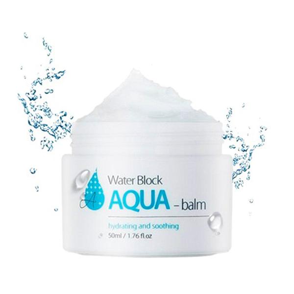 глубоко увлажняющий крем-бальзам the skin house water block aqua balmWater Block Aqua Balm. Глубоко увлажняющий крем-бальзам<br><br>Аква-бальзам моментально и глубоко увлажняет обезвоженную сухую кожу, удерживая влагу изнутри. При нанесении на поверхность лица, крем мгновенно «тает» и наполняет каждую клетку живительной влагой. Безмасляная формула увлажняет и сухую, и жирную кожу, регулируя выделение кожного жира. Раздраженную кожу бальзам охлаждает и успокаивает, питая ее, чувствительную – защищает от окружающей среды. Средство выравнивает тон, делает кожу лица приятной и упругой на ощупь.<br><br>В состав крема-бальзама входит натуральный увлажняющий комплекс из: экстрактов розы, лотоса, зеленого чая, огурца, камелии, черники, вишни и др. Благодаря растительному комплексу кожный покров расправляется, тургор укрепляется, зуд и стянутость исчезают, кожа в целом напитывается полезными для нее компонентами.<br><br><br>Естественный баланс влажности поддерживает цветочная вода экстракта розы. Она легко успокаивает, регенерирует эпидермис, повышает эластичность, очищает и освежает поверхность лица.<br><br>Экстракт лотоса преображает цвет лица, повышает жизненную энергию и тонус кожи. Этот экстракт незаменим при обезвоживании и сухости, шелушении кожи лица. Он очищает, отбеливает, очищает, освежает, стимулирует, укрепляет дерму; разглаживает морщинки, замедляет процесс старения; повышает упругость; избавляет от кожных воспалений и снимает зуд; тонизирует тургор и т.п. - все это благодаря нуфарину, витамину С, арменавину, нелумбину и минеральным соединения в составе лотоса.<br><br>Экстракт зеленого чая – это настоящий кладезь антиоксидантов и сильных биостимуляторов. Содержит сотни полезных веществ – аминокислоты, ферменты, белки, минералы, эфирные масла, витамины: P – больше, чем в цитрусах, А – больше, чем в моркови, а также B, E, C. Благодаря такому составу успокаивает кожу, смягчает, защищает, очищает ее, нормализует обмен, сужает поры.<br><br>В экстракте камелии масса 