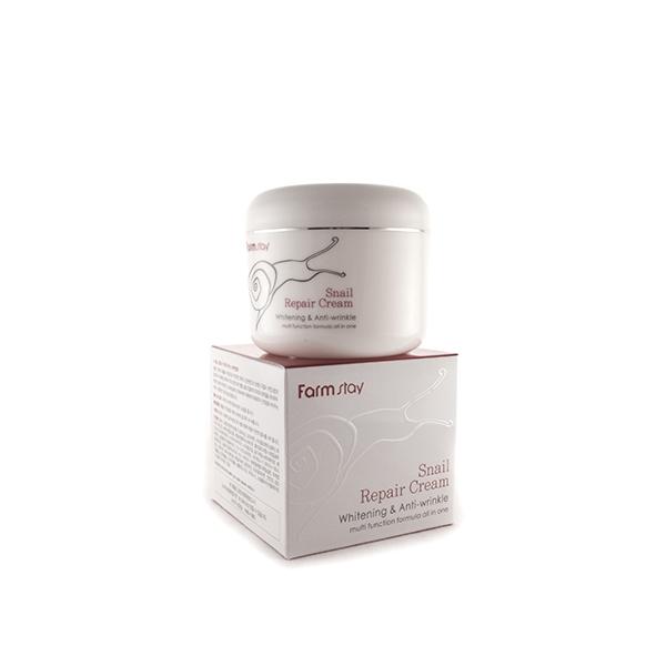 восстанавливающий крем с экстрактом улитки farmstay snail repair creamSnail Repair Cream. Восстанавливающий крем с экстрактом улитки<br><br>После различных неприятных ситуаций (солнечных ожогов, акне, воспалений, обветриваний и обморожений, высыпаний, аллергических реакций, в период авитаминоза, после процедур пилинга и других) дерме нужен не только более бережный и тщательный уход, но и активное восстановление. Восстанавливающий комплекс крема на основе улиточного муцина активизирует собственные регенерирующие процессы, ускоряет процессы заживления, а также решает ряд других косметических проблем с дермой.<br><br>Универсальность и натуральность фермента, используемого в креме, делают его максимально усваиваемым и не способным навредить и без того поврежденному покрову.<br><br>Густая и тягучая текстура крема мгновенно тает при соприкосновении с кутисом, и превращается в невесомую вуаль. Средство прекрасно распределяется по поверхности, мгновенно впитывается и дарит ощущение свежести и прохлады около лица. Отлично взаимодействует с различными тональными основами. Не оставляет липкой пленки или жирного налета на поверхности.<br><br>Крем борется с последствиями акне и ожогов, устраняет воспаления и покраснения, шелушение и сухость, уменьшает пигментацию, выравнивает рельеф дермы, дает эффект микро-лифтинга, увлажняет и улучшает цвет лица.<br><br>Небольшого объема баночки хватит надолго благодаря рациональному расходованию крема. Одно это средство способно заменить множество других, более дорогих, но менее эффективных ухаживающих косметических продуктов.<br><br>Способ применения: на предварительно обработанную тонером дерму нанесите небольшое количество продукта и равномерно распределите. Крем мгновенно впитывается, поэтому уже через несколько минут можно приступать к макияжу. Показан к ежедневному использованию.<br><br>Объем: 100 мл<br><br>Характеристики товара:<br><br><br><br><br>Возраст<br><br>до 25; 25-35; от 35; от 45<br><br><br><br>Тип кожи<br><br>для всех типов; 