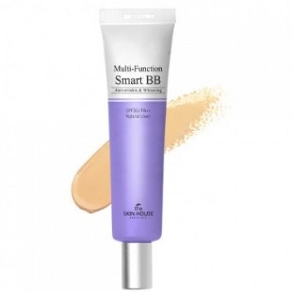 многофункциональный бб крем the skin house multi-function smart bb creamMulti-Function Smart BB Cream. Многофункциональный ББ крем<br><br>Представленный мульти-функциональный BB крем от обладает усиленным увлажняющим эффектом и высоким уровнем защиты от, воздействующего на кожу, вредного излучения: SPF фактор – 30 (от агрессивных УФВ-лучей), PA++ (от опасных УФА-лучей).<br><br>Крем усиленно борется со старением и его первыми признаками, подтягивает контур лица, сохраняя естественность. Средство идеально ровно покрывает поверхность лица, выравнивая его тон и маскируя различные несовершенства (покраснение, пост-акне, прыщи, пигментацию), а также другие неровности. Специальная формула продукта очень стойкая, поэтому нанесенное средство сохраняется надолго в первоначальном виде.<br><br>В составе продукта: увлажняющие компоненты - экстракты лилии, алоэ вера, зеленого чая, осветляющие компоненты - аденозин, экстракт томата, арбутин и т.д.<br><br>Экстракт алоэ вера, обладая бактерицидными, мощными увлажняющими, разглаживающими и смягчающими свойствами, активизирует кровообращение, сокращает воспалительные процессы.<br><br>Экстракт лилии хорошо отбеливает (снимает красноты, воспаление) и регенерирует, интенсивно увлажняет и смягчает эпидермис, успокаивая раздражение, сглаживает пигментацию, защищает от УФ, выравнивает оттенок вашей кожи.<br><br>Компонент зеленого чая - это комбинация сотен полезных веществ, благодаря чему этот ингредиент осветляет, успокаивает, тонизирует кожу, смягчая и защищая ее, и нормализует обмен.<br><br>Осветляющий компонент - аденозин, кроме того, что выравнивает тон, удаляет пятна и пигментацию, эффективно разглаживает эпидермис, повышая его гладкость и укрепляя каркас, и хорошо смягчает кожу. Арбутин же - компонент, активно борющийся с морщинами.<br><br>Экстракт томата действенен при воспалениях и обезвоживании, сильных выделениях кожного жира, кроме того, омолаживает и выравнивает текстуру кожного покрова, защищает от УФ.<br><br>Продукт, благодар