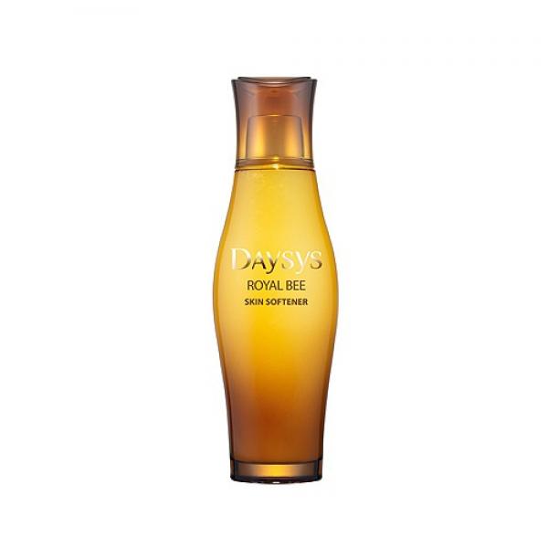 успокаивающий и заживляющий тоник с медом enprani daysys royal bee skin softenerDaysys Royal Bee Skin Softener. Успокаивающий и заживляющий тоник с медом<br><br>Уникальные свойства меда привлекли внимание специалистов компании Enprani, и бренд выпустил очередное инновационное средство – восстанавливающий тоник для лица с медом.<br><br>Мед используется человеком не одно тысячелетие, еще Гиппократ и Авиценна советовали активно применять мед и упоминали о его неоценимой пользе. В меде содержится масса аминокислот, антиоксидантов, микроэлементов и витаминов.<br><br>По своему уникальному составу он подобен плазме человеческой крови, ведь наличие в данном компоненте средства органических кислот с антиоксидантами способствует регенерации кожи и быстрому клеточному обновлению, а витамины группы B, K, E, фосфор, железо, магний благотворно воздействуют на эпидермис.<br><br>Органические кислоты (в частности, фолиевая, аскорбиновая) обуславливают антибактериальные, очищающие свойства продукта, недаром в старые времена медом дезинфицировали раны. К тому же влага, присутствующая в составе меда, при взаимодействии с кожей человека, переносится непосредственно в эпидермис, и таким образом поддерживает увлажнение на должном уровне. Кроме биоактивизирующих и фитогормональных факторов, меду свойственна способность создавать увеличенный приток крови к коже, благодаря чему улучшается процесс ее питания.<br><br>Бренд Enprani создан в 1995 году в Корее компанией Sumsung и CJ Group. Его название состоит из двух частей:<br><br>1) «en» от английского слова «enable» – активизировать;<br><br>2) «prani» с индийского переводится как «жизнь».<br><br>Косметические средства от Enprani дарят невероятную энергию и ощутимую жизненную силу коже, обновляют ее и надолго сохраняют молодость.<br><br>В производстве косметических продуктов компания использует инновационные технологии и сверхсовременные ингредиенты. Специалисты марки в продуктах доносят до потребителя свои самые передовые достижения, которые 