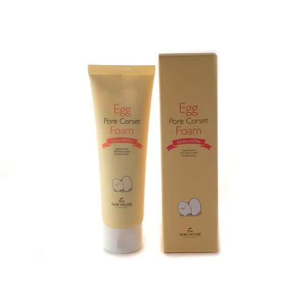 пенка с яичным экстрактом для сужения пор the skin house egg pore corset foamEgg Pore Corset Foam. Пенка с яичным экстрактом для сужения пор<br><br>Пенка с яичным экстрактом глубоко очищает и стягивает поры, разглаживая поверхность кожи, матирует, делает кожу более ровной, светлой и чистой.<br><br>В условиях суровой городской экологии, наша кожа нуждается в систематическом тщательном очищении. Ее поры часто забиваются загрязнениями, водно-жировой баланс нарушается. Пенка с эффектом стягивания пор Egg Pore Corset Foam мягко вычистит загрязнения из глубины пор, предотвращая нарушения гидролипидного баланса, возникновение черных точек, а также матирует кожу и минимизирует поры.<br><br>В пенке, помимо яичного экстракта, содержится экстракт чайного дерева, гамамелиса, центеллы азиатской, спирулины и алоэ вера.<br><br>Алоэ вера успокаивает и увлажняет кожу, гамамелис разглаживает и обновляет, центелла азиатская питает, чайное дерево лечит акне и регулирует работу сальных желез, спирулина выводит из кожи загрязнения и следы тяжелых металлов, содержащихся в атмосферной пыли. В результате применения пенки, кожа очистится изнутри, разгладится, станет матовой и чистой, как фарфор.<br><br>Подходит для: нормальной, комбинированной, жирной кожи, кожи с черными точками, воспалениями и расширенными порами.<br><br>Характеристики товара<br><br><br><br><br>Возраст<br><br>все<br><br><br><br>Тип кожи<br><br>воспаленная; жирная; комбинированная; проблемная<br><br><br><br>Функции<br><br>матирование; очищение пор; сужение пор; увлажнение; питание; улучшение цвета лица; выравнивание тона<br><br><br><br>Несовершенства<br><br>акне; расширенные поры; черные точки<br><br><br><br><br>Способ применения:&amp;nbsp;Нанесите небольшое количество пенки на лицо, равномерно распределите, помассируйте кожу со средством в течение 1-2 минут, а затем тщательно смойте остатки средства теплой водой.<br><br>Объем: 120 мл<br>