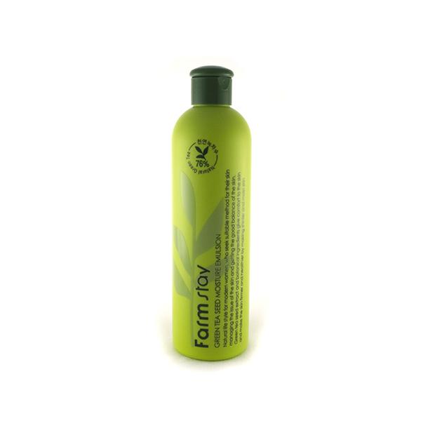 увлажняющая эмульсия с семенами зеленого чая farmstay green tea seed moisture emulsionGreen Tea Seed Moisture Emulsion. Увлажняющая эмульсия с семенами зеленого чая<br><br>Начиная с 2007-го года, известный в Корее и Европе бренд FARMSTAY выпускает косметику из тщательно подобранного состава ингредиентов. Средства этого бренда получаются без навязчивого запаха, поскольку создаются на основе органических продуктов, которые имеют очень тонкий аромат. Название компании дает понять, что компоненты для производства продуктов бренда свежие, без содержания вредных ингредиентов, собраны с домашнего хозяйства и безопасны для вас. Представленная эмульсия на 76% состоит из натурального экстракта семян зеленого чая, и предназначена для интенсивного увлажнения и сохранения здоровья кожи лица.<br><br>Натуральный экстракт семян зеленого чая в представленной эмульсии обеспечивает эффект восстановления и регенерации кожи, смягчение, увлажнение, избавление от чрезмерной сухости, раздражающего шелушения, защиту от негативного воздействия извне. Семена зеленого чая отлично увлажняют кожу, сокращают воспаление, снимают раздражение, восстанавливают обменные процессы. Кофеин в зеленом чае повышает эластичность кожи, стимулирует кровообращение, ускоряет синтез коллагена, повышает упругость, разглаживает морщинки на лице. Всем известны уникальные свойства антиоксидантов в зеленом чае, которые не позволяют дерме стареть.<br><br>Регулярно используя эмульсию, вы обеспечите коже:<br><br><br>- антивозрастной уход (тон кожи выровняется, мелкие морщинки разгладятся, уменьшится глубина более выраженных морщин);<br><br>- противовоспалительный уход (кожные высыпания постепенно исчезнут, а появление новых эмульсия предупредит);<br><br>- антиоксидантный уход (защита от свободных радикалов, УФ-лучей).<br><br><br>Текстура эмульсии настолько легка и ароматна, что легко впитывается в считанные секунды, даря поверхности лица живительную влагу и энергию. Ваш цвет лица будет говорить о здоровье, красоте и моло