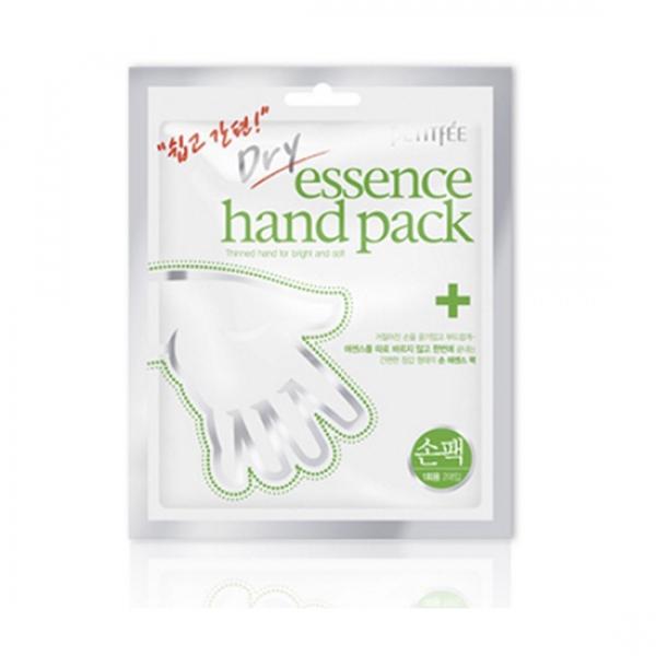 маска для рук petitfee dry essence hand packDry Essence Hand Pack. Маска для рук<br><br>Инновационная маска для рук содержит высокую концентрацию специальной сухой эссенции, которая под воздействием температуры тела постепенно растворяется, проникая в самые глубокие слои кожи. Маска эффективно смягчает и питает кожу рук, ухаживает за кутикулой вокруг ногтей, делая руки мягкими и нежными.<br><br>Специальная пропитка масок эссенцией, содержащий масло ши, сок алое, экстракт портулака, способствует мгновенному восстановлению кожи рук с первого применения, а также размягчает заусенцы и улучшает состояние ногтеи. Фильтрат секреции улиток и коллаген регенерируют и восстанавливают клетки, придают коже эластичность.<br><br>Способ применения: Вымойте руки и промокните их, удаляя излишки влаги. Вскройте упаковку и наденьте маску как перчатки. Достаточно подержать перчатки на руках 20-30 минут, затем снять из и вмассировать остатки эссенции в кожу. Наиболее правильным считается двух-трех разовое использование за неделю. Эффект от процедуры сохраняется до 7 дней.<br><br>Характеристики товара<br><br><br><br><br>Возраст<br><br>25-35; до 25; от 35<br><br><br><br>Тип кожи<br><br>сухая<br><br><br><br>Функции<br><br>увлажнение; устранение шелушений<br><br><br><br><br>Количество: 1 пара (2 шт)<br><br>Вес г: 20.00000000